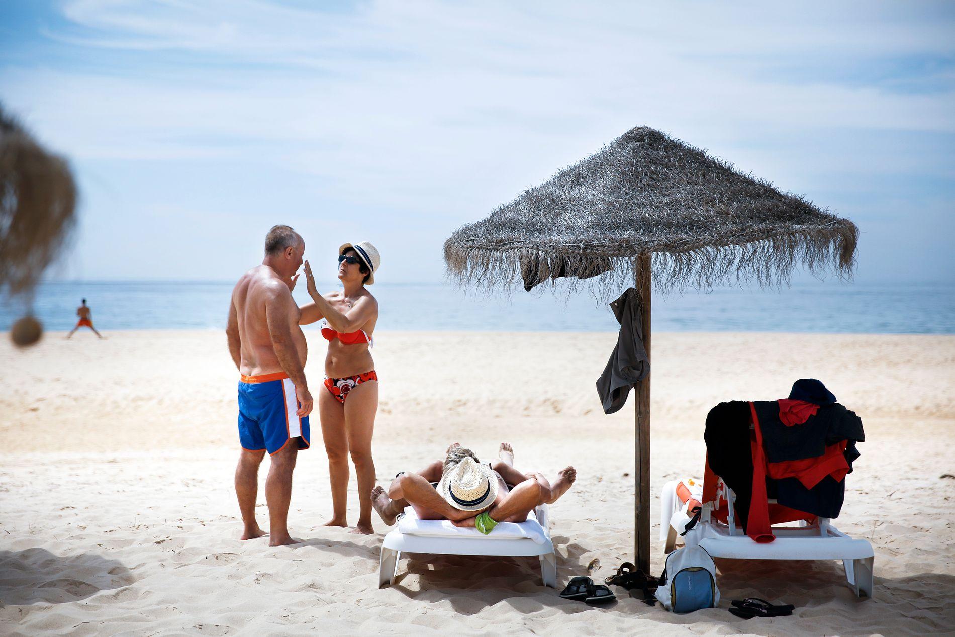 DEN ØDE ØYA: Den første fergen fra Faro går klokken 10 om morgenen. Hvis du kan, så ta den, så får du den øde øya mer eller mindre for deg selv før de neste fergene kommer inn utover dagen.