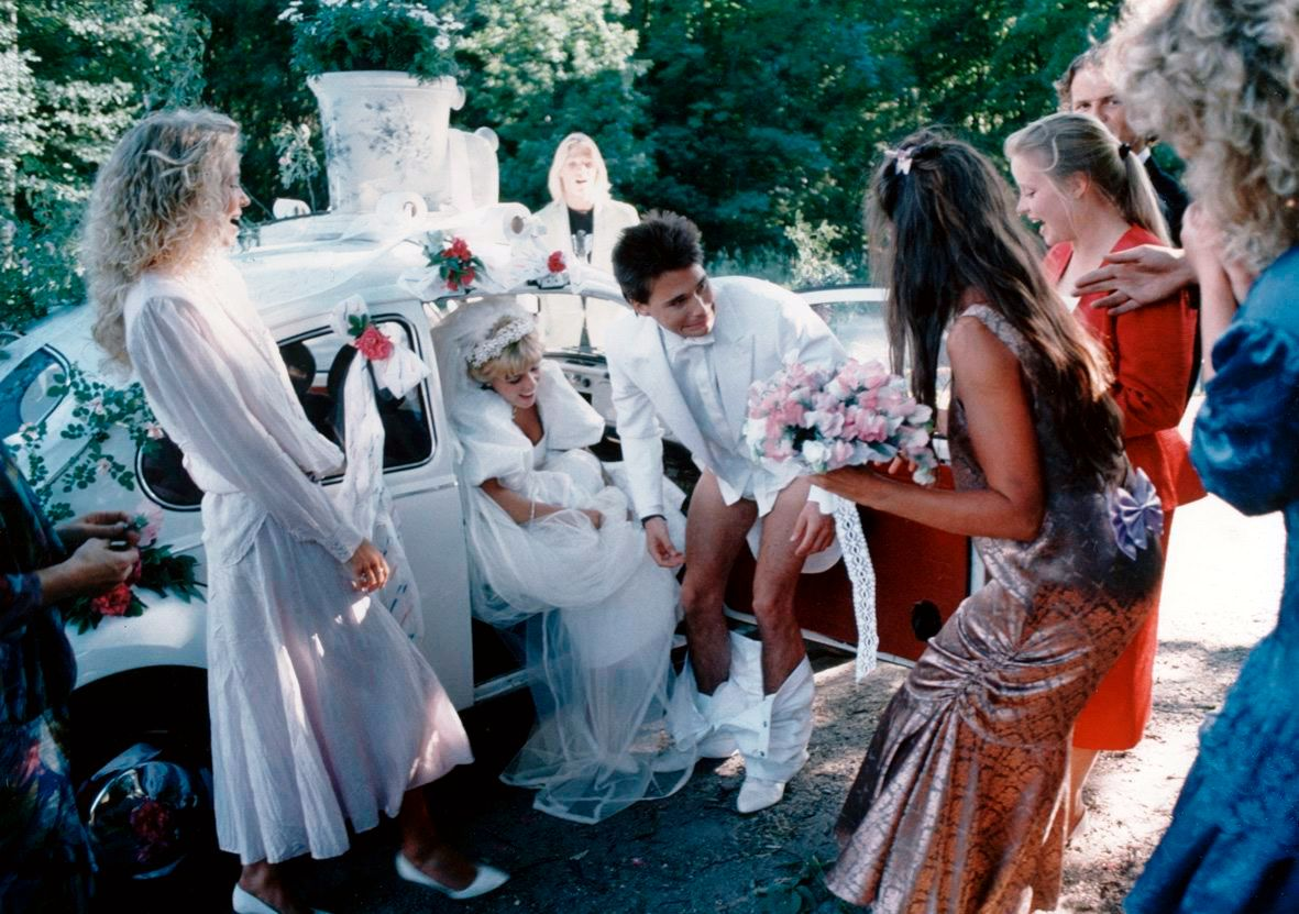 FESTLIG: Det er alltid én fest i alle Wam & Vennerød-filmene. Denne er fra filmen «Bryllupsfesten».   FOTO: NORDISK FILM