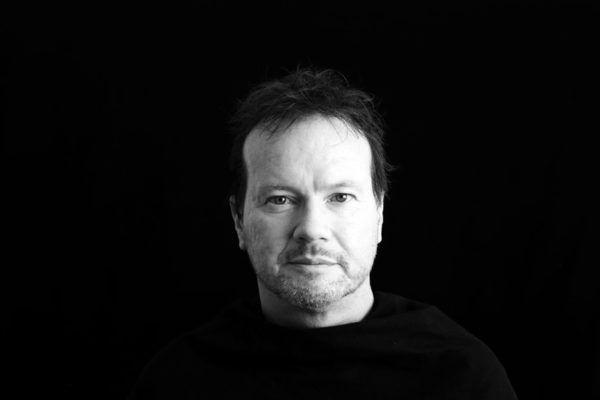 VISJONÆR TENKER: Filosofiprofessor Timothy Morton kommer til Borealis-festivalen i mars. Han skal lage konsert om vårt skjøre begrep om tiden.