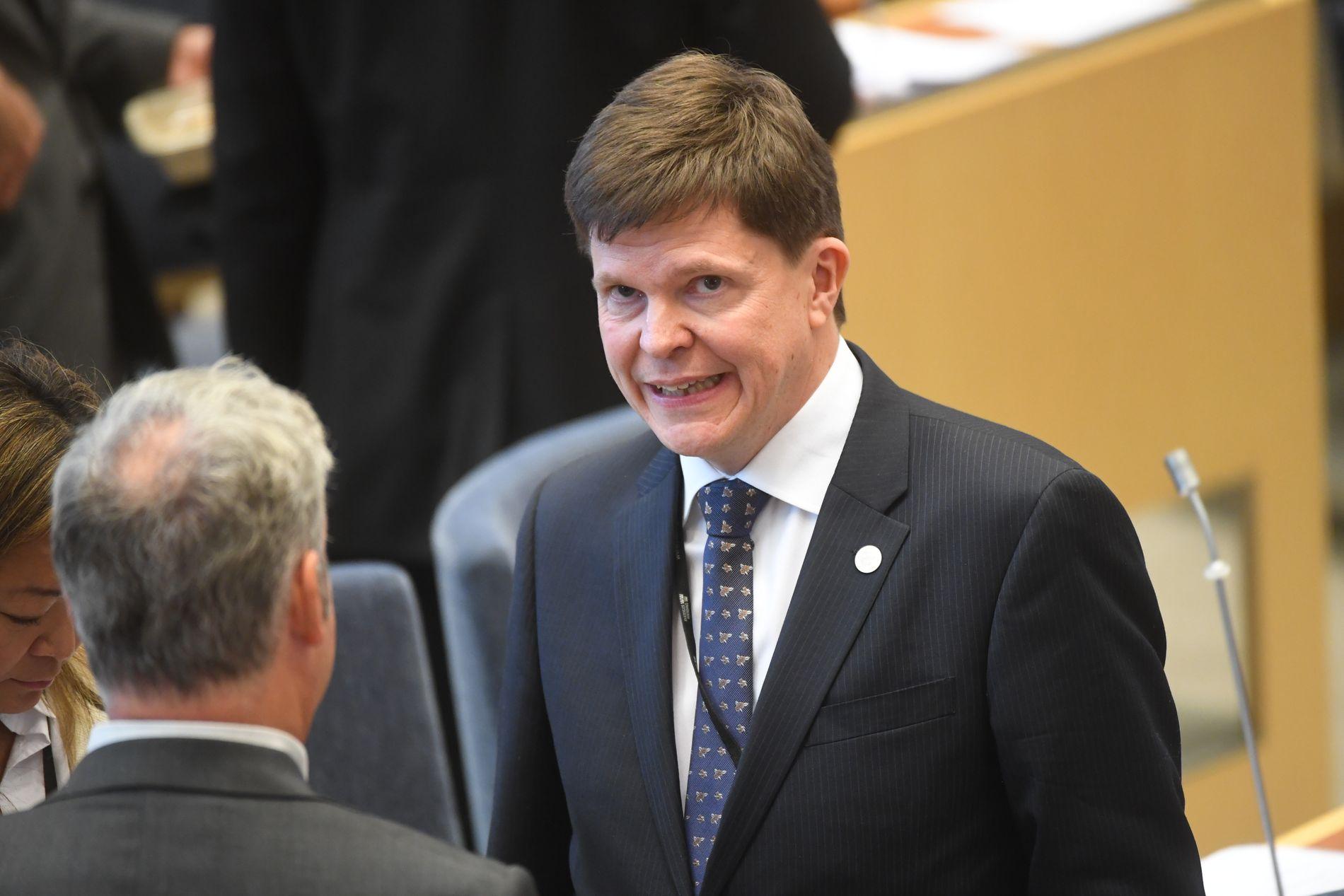 STATSMINISTERJAKT: Riksdagens nye talmann, Andreas Norlén fra Moderaterna, skal forsøke å finne en ny statsminister i Sverige, etter at Stefan Löfven tirsdag ble nedstemt.