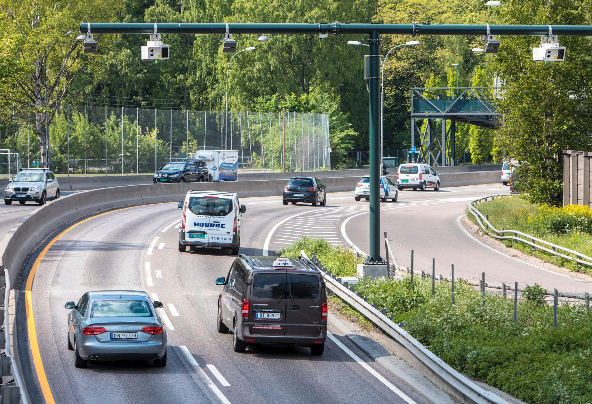 Bare i Oslo kom det 52 nye bomstasjoner 1. juni i år. Foto: Ole Berg-Rusten / NTB scanpix