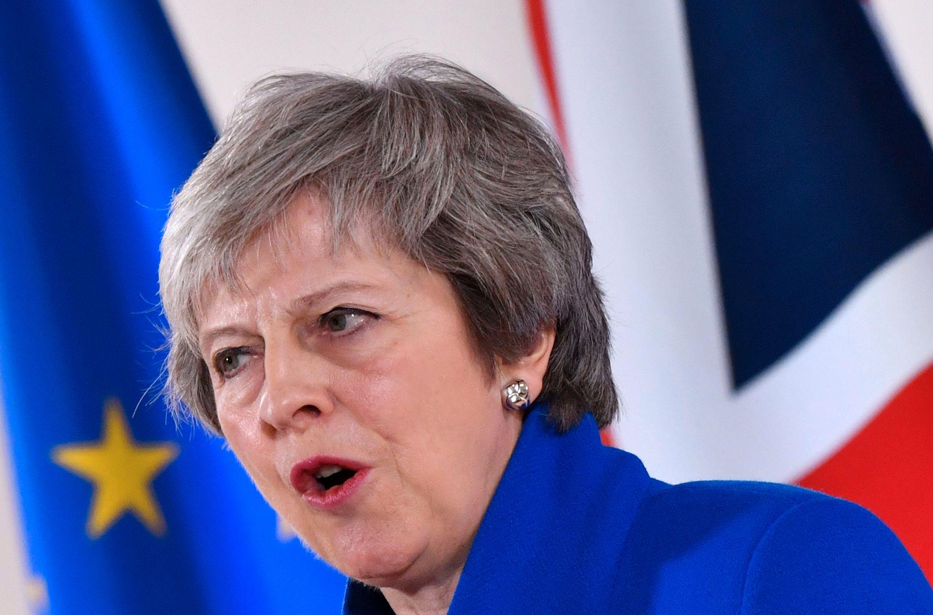 HANDEL: Uten en tollunion vil britiske produsenter bli nødt til å godtgjøre at varer de skal eksportere til EU, faktisk er britiske. Det betyr mer papirarbeid og forsinkelser. Her ligger en viktig lærdom for Norge, skriver Vidar Helgesen. Britenes statsminister Theresa May forhandlet frem avtalen med EU.