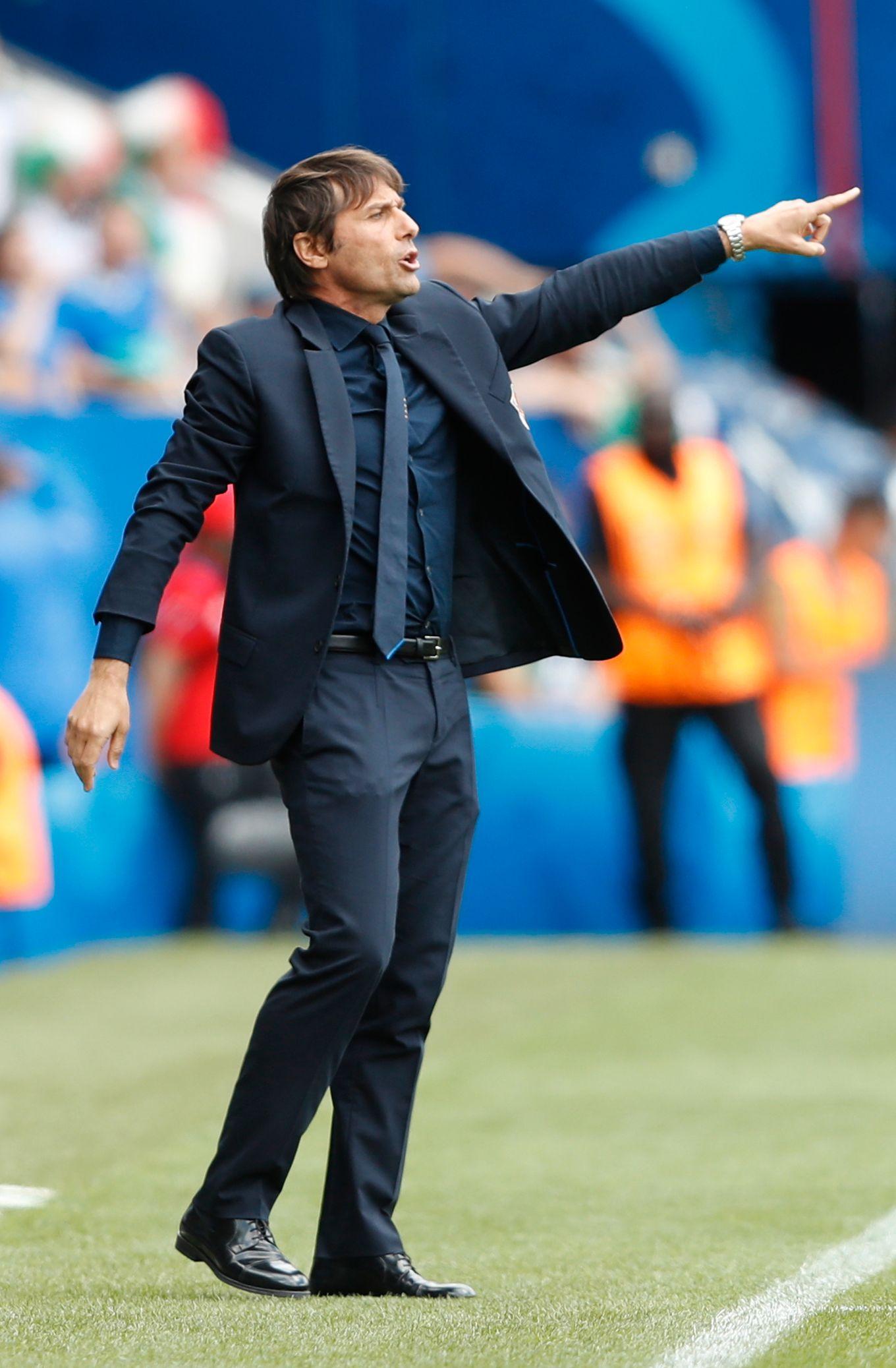 Italia-sjef Antonio Conte vil spare spillere i den siste gruppespill-kampen.