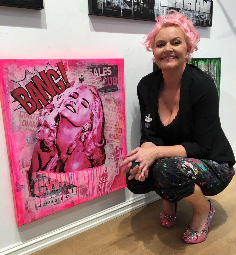 SOLOUTSTILLING: Fru Bugge er aktuell med utstillingen «Kiss me love me».