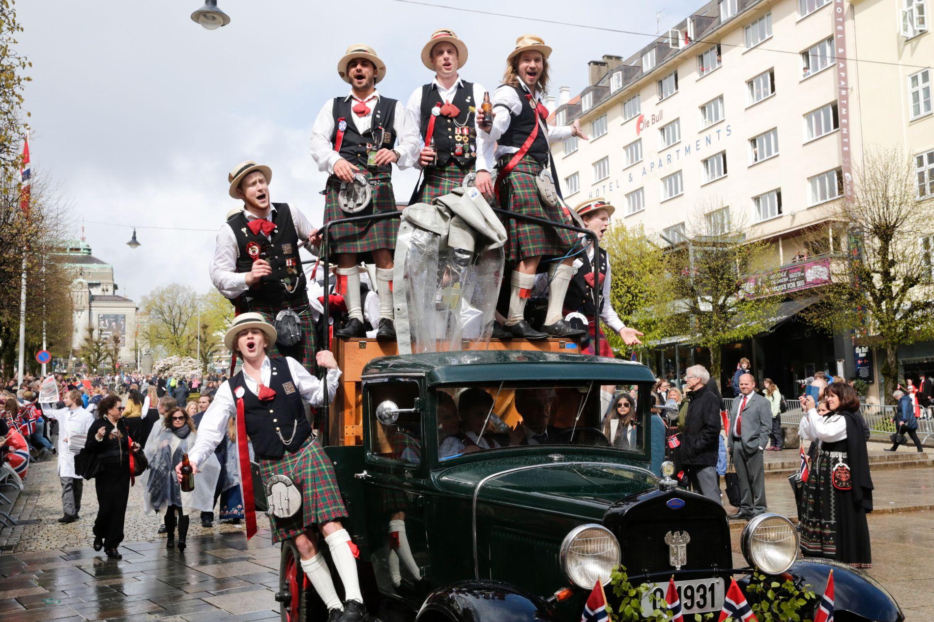 I FJOR: Guttekoret Svæverud var en av dem som figurerte i fjorårets 17.-maifeiring i Bergen.
