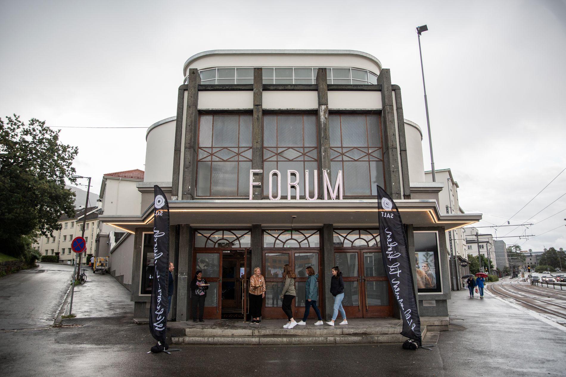 BOIKOTT: Flere artister boikottet åpningen av Forum. Hvorfor ikke boikotte hele verden? spør musiker og filmprodusent Christer Dyngeland.