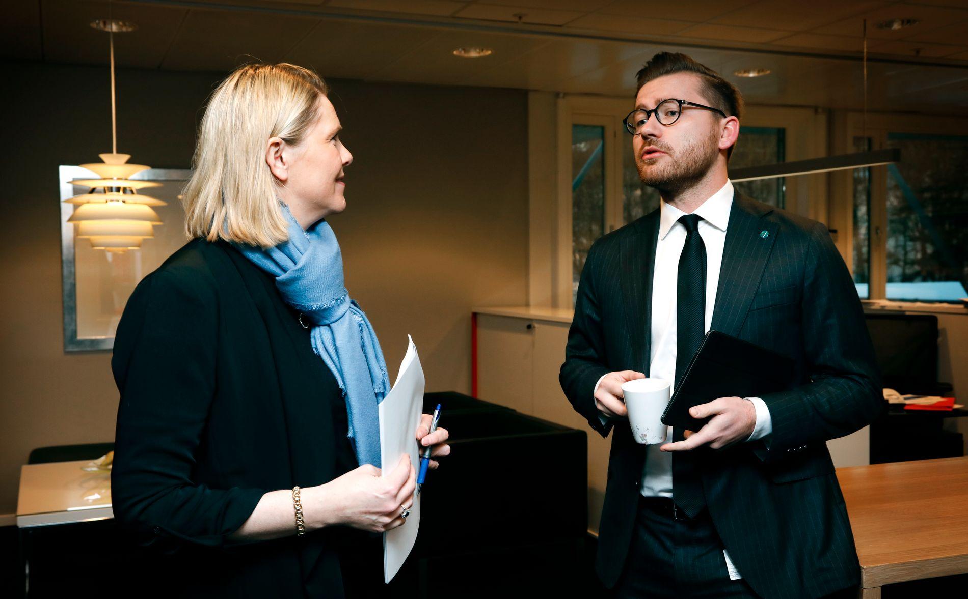KRONPRINS: Sveinung Rotevatn er i dag Venstres statssekretær i Justis- og beredskapsdepartementet, og er tippa som ein favoritt til endå større oppgåver i framtida. Her er han med tidlegare justisminister Sylvi Listhaug (Frp).