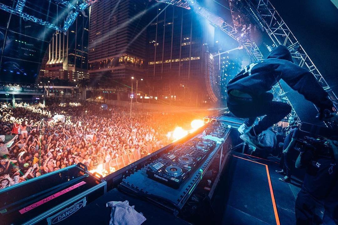MIAMI: Her er et bilde Alan Walker selv la ut på Instagram fra opptredenen på Ultra-festivalen i helgen.
