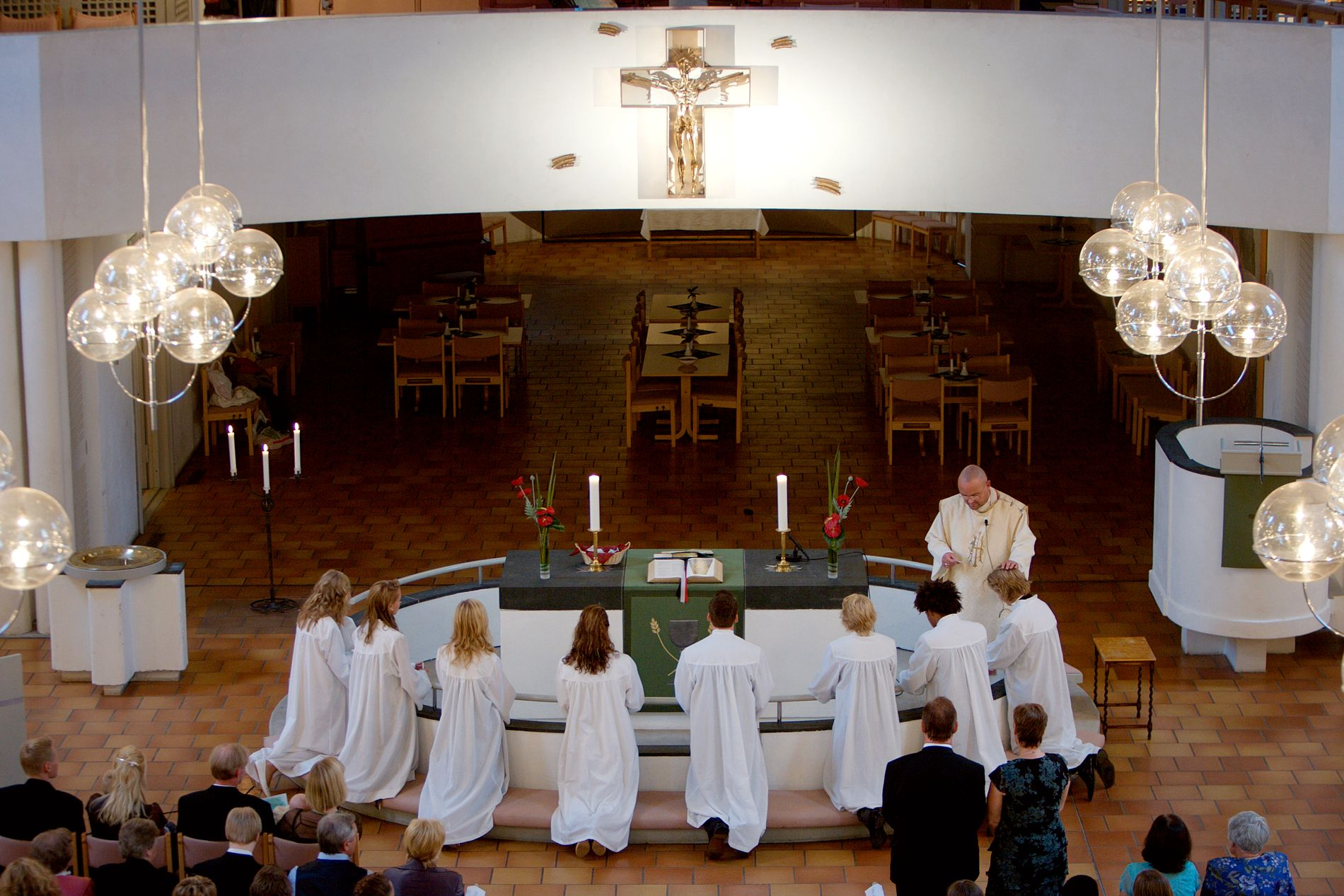 HØGE TAL: Sanninga er at konfirmanttala for Bjørgvin bispedøme heldt seg svært høge. Det er vi sjølvsagt glade for, skriv biskop Halvor Nordhaug.