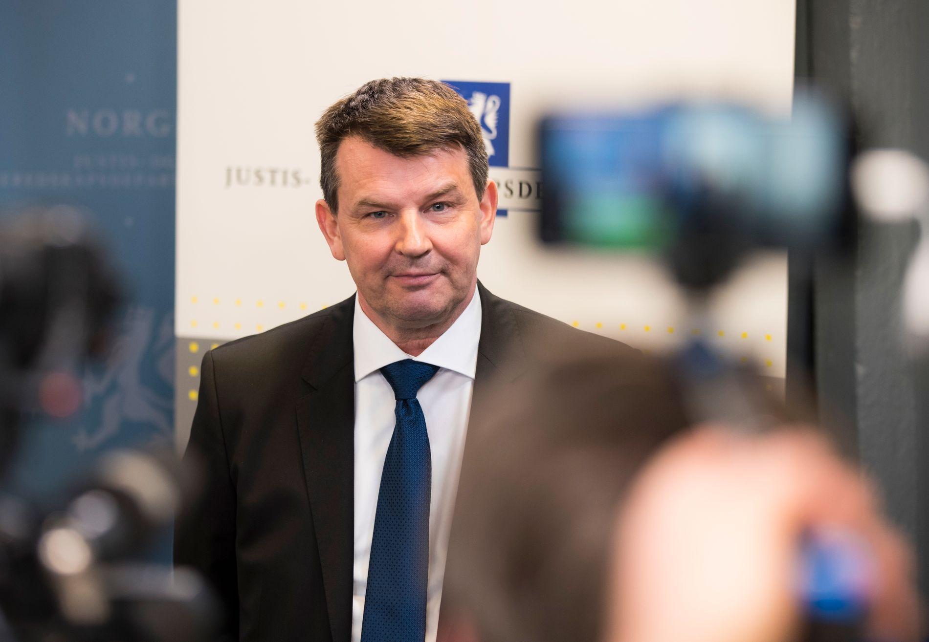 FIRST MINISTER: Tor Mikkel Wara (Frp) er den andre statsråden i Solberg-regjeringa som kjem direkte frå lobbyistfirmaet First House. Det er ikkje uproblematisk, skriv BT på leiarplass.
