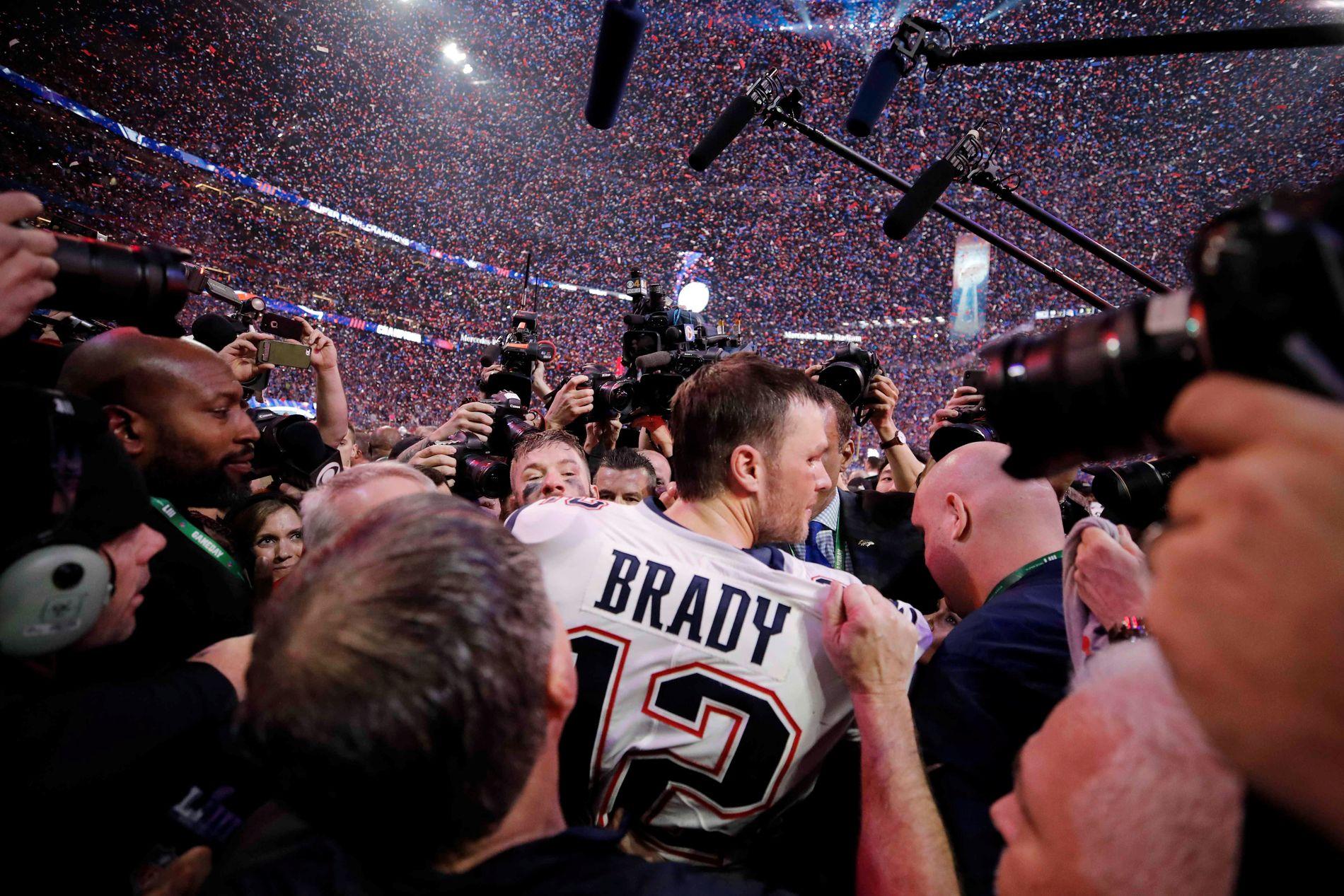VERDAS BESTE: – Tom Brady er 41 år gammal og er treigare i beina enn dei fleste andre i ligaen. Han er derimot raskast i hovudet, og i februar vann han sin sjette Super Bowl.