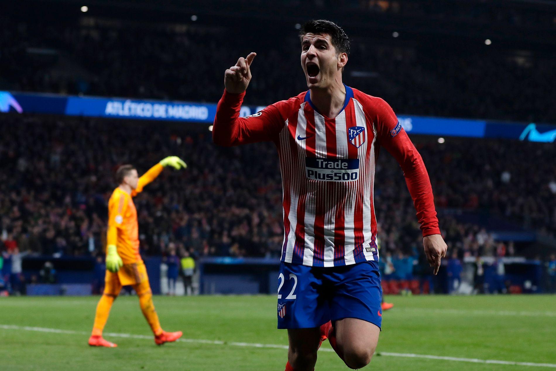 VANT: Atléticos Álvaro Morata feirer en scoring som senere ble omdømt. Spanjolen har likevel grunn til å feire med 2-0-seier.