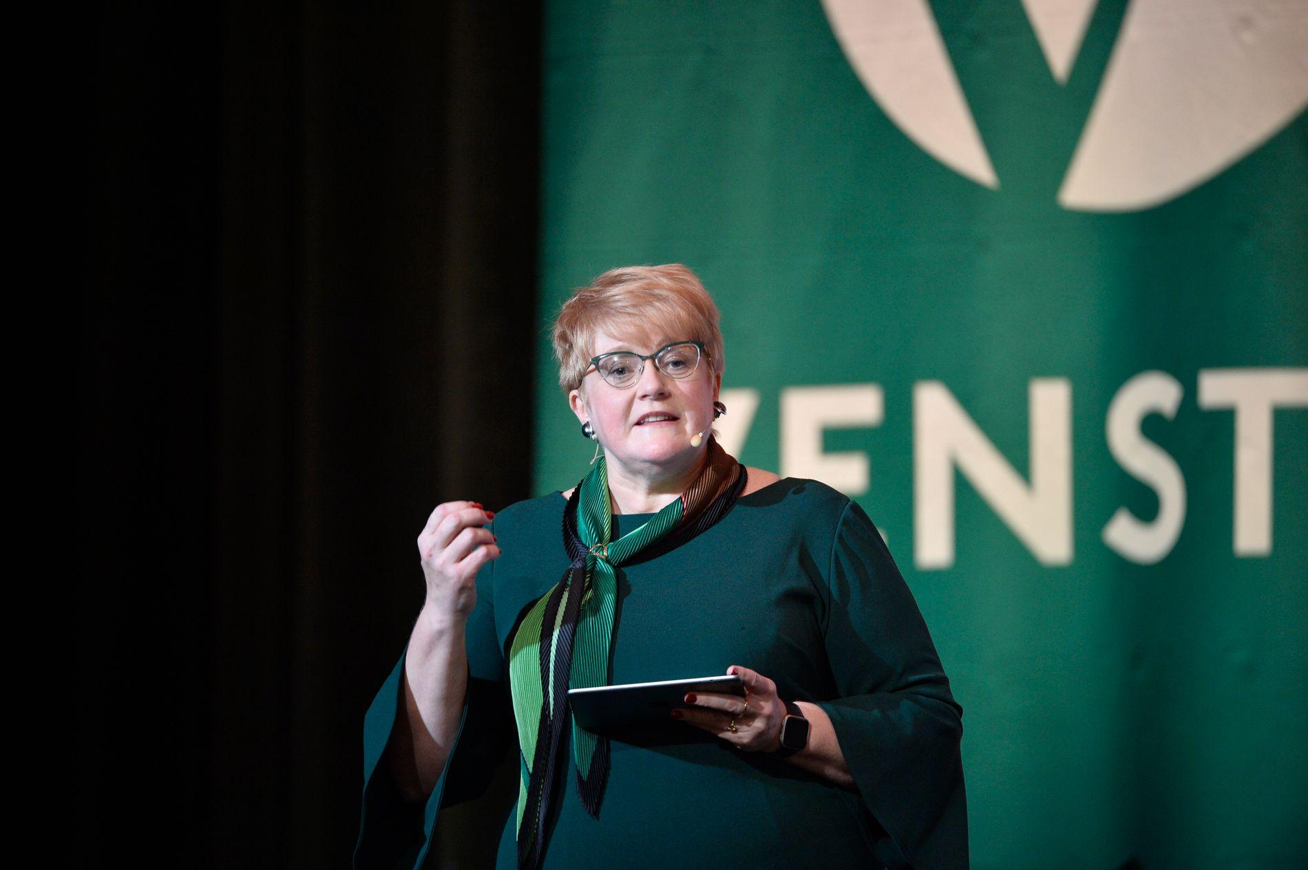 OMSORG FOR SMÅAVISENE: Kulturminister Trine Skei Grande (V) ønsker å omfordele pressestøtte fra større til mindre lokalaviser, for å dekke de «hvite flekkene på kartet», som hun sier.