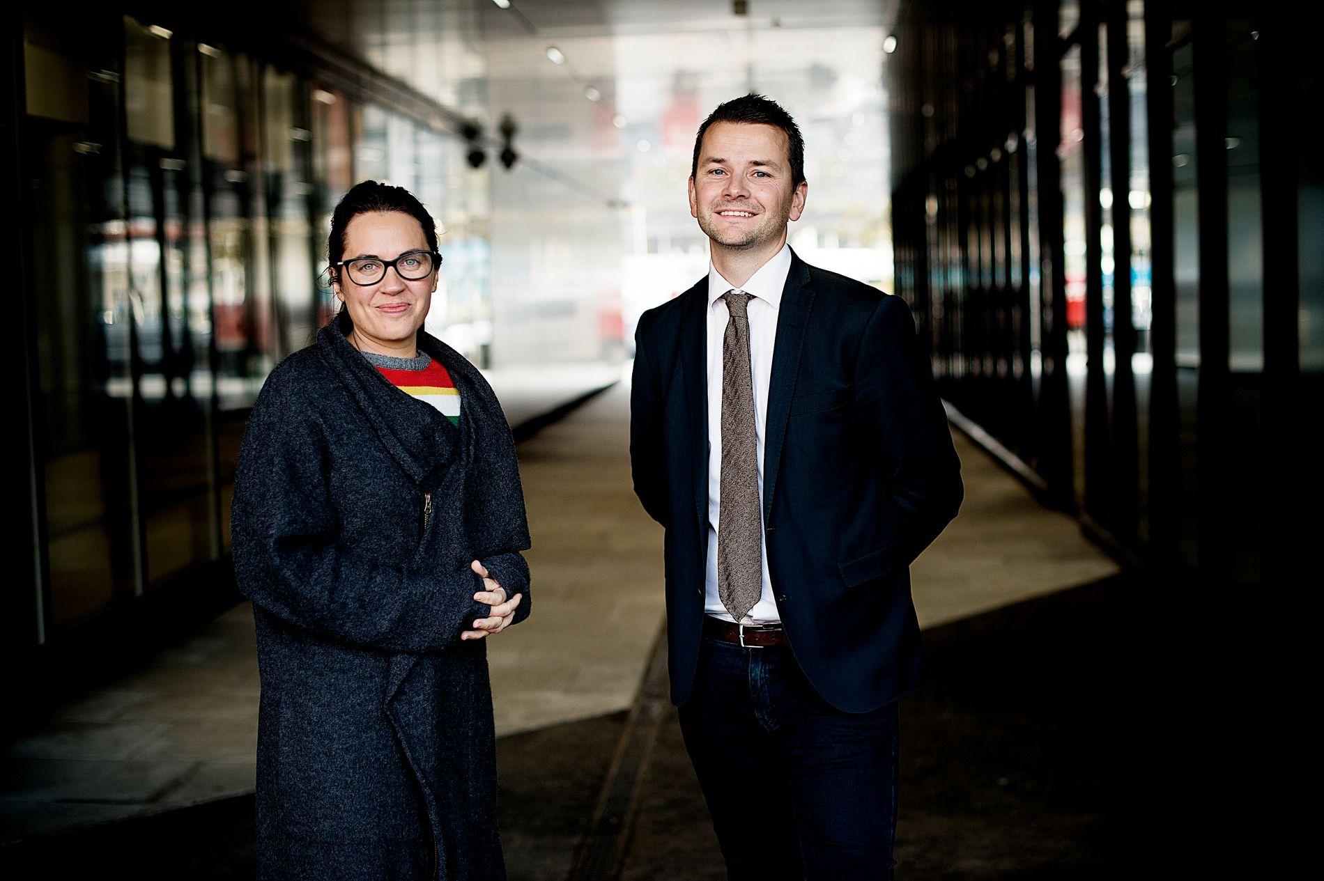 I PANELET: Politisk redaktør Frøy Gudbrandsen og sjefredaktør i BT, Øyulf Hjertenes, er i panelet saman med politisk kommentator Hans K. Mjelva.