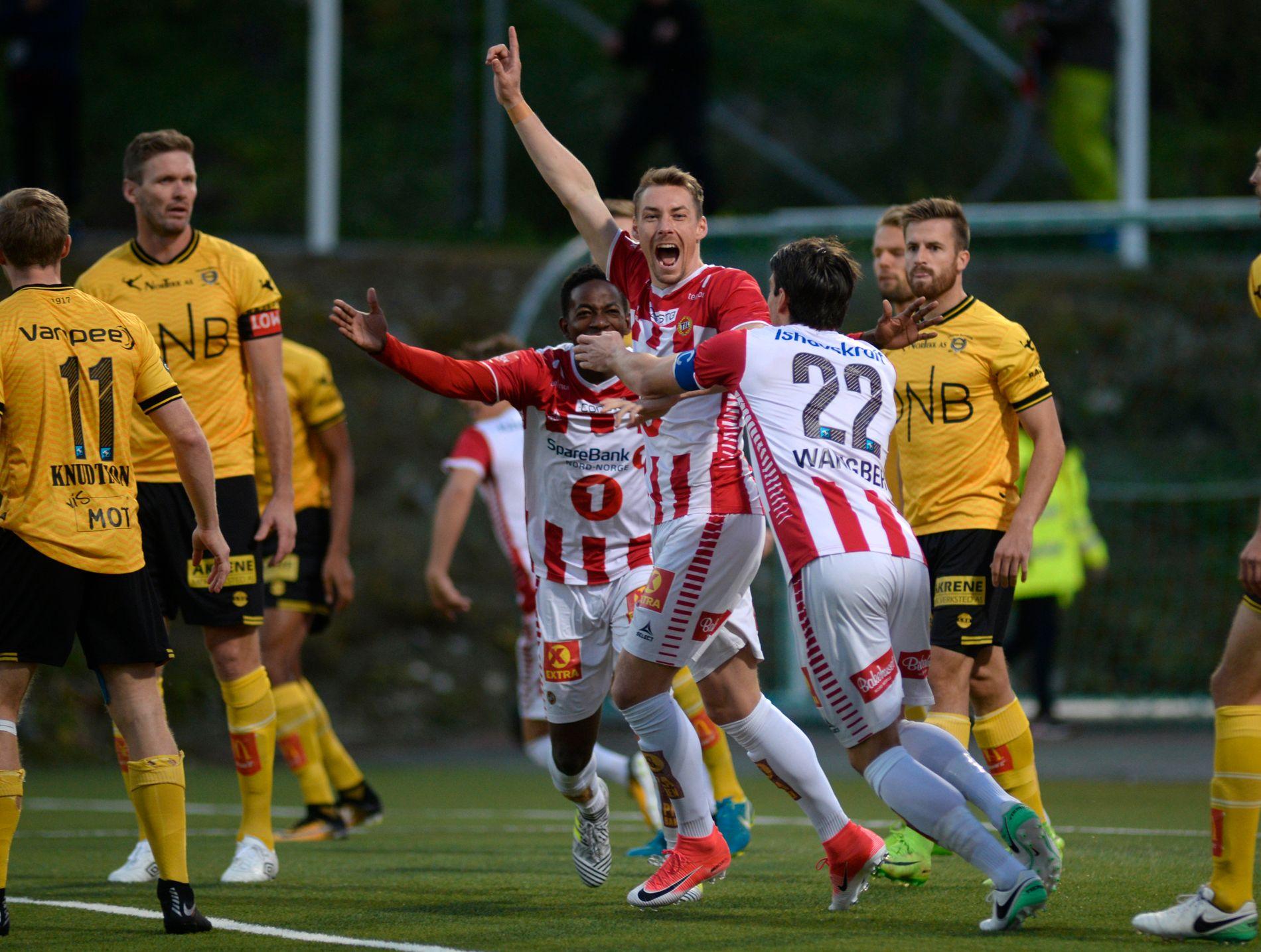 MER JUBEL? Magnar Ødegaard feirer etter scoring i 2017.