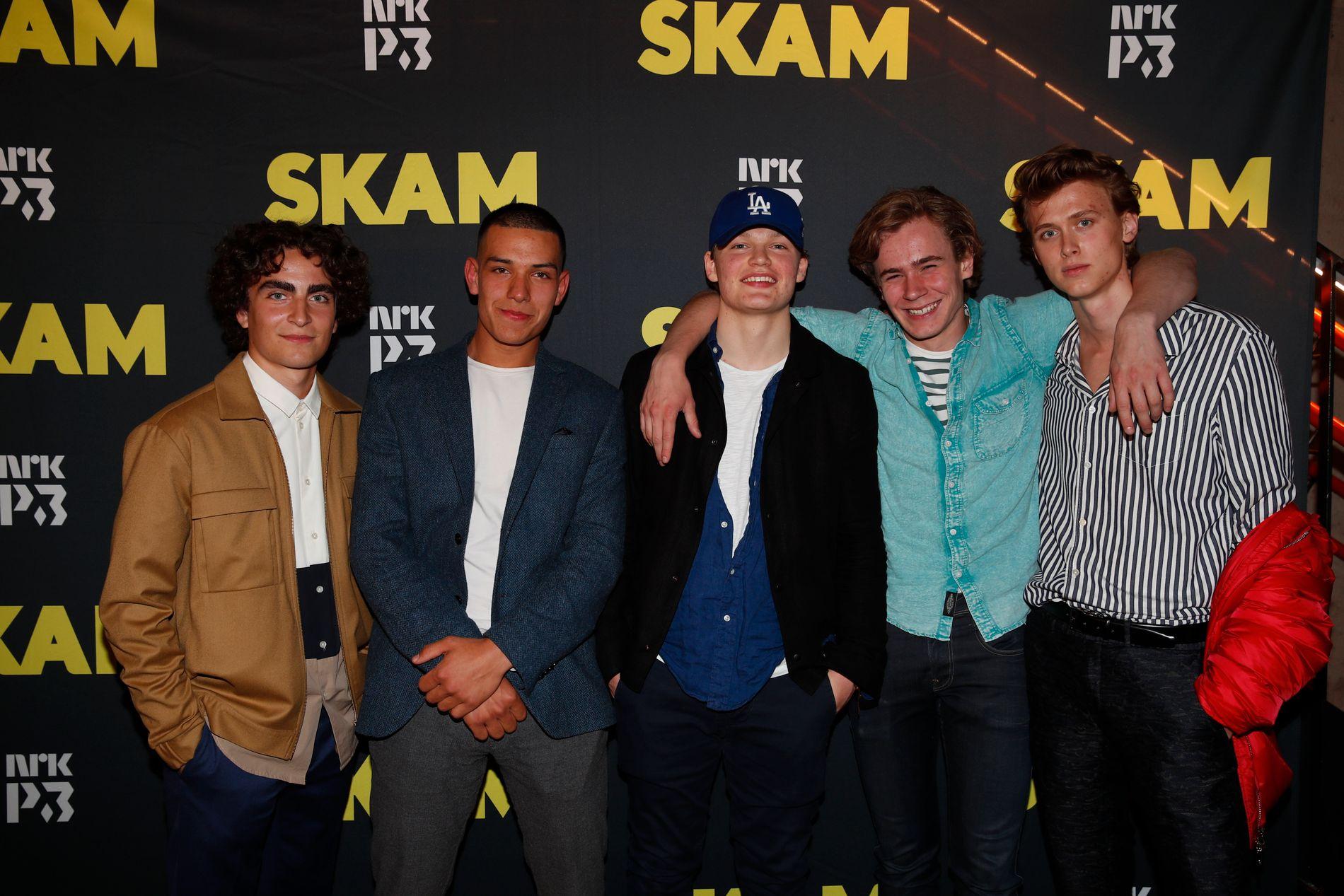SISTE KVELD MED GJENGEN: Rollefigurene Jonas, Elias (i sesong 1), Magnus, Isak og Even fra Skam under fredagens avslutningsfest.