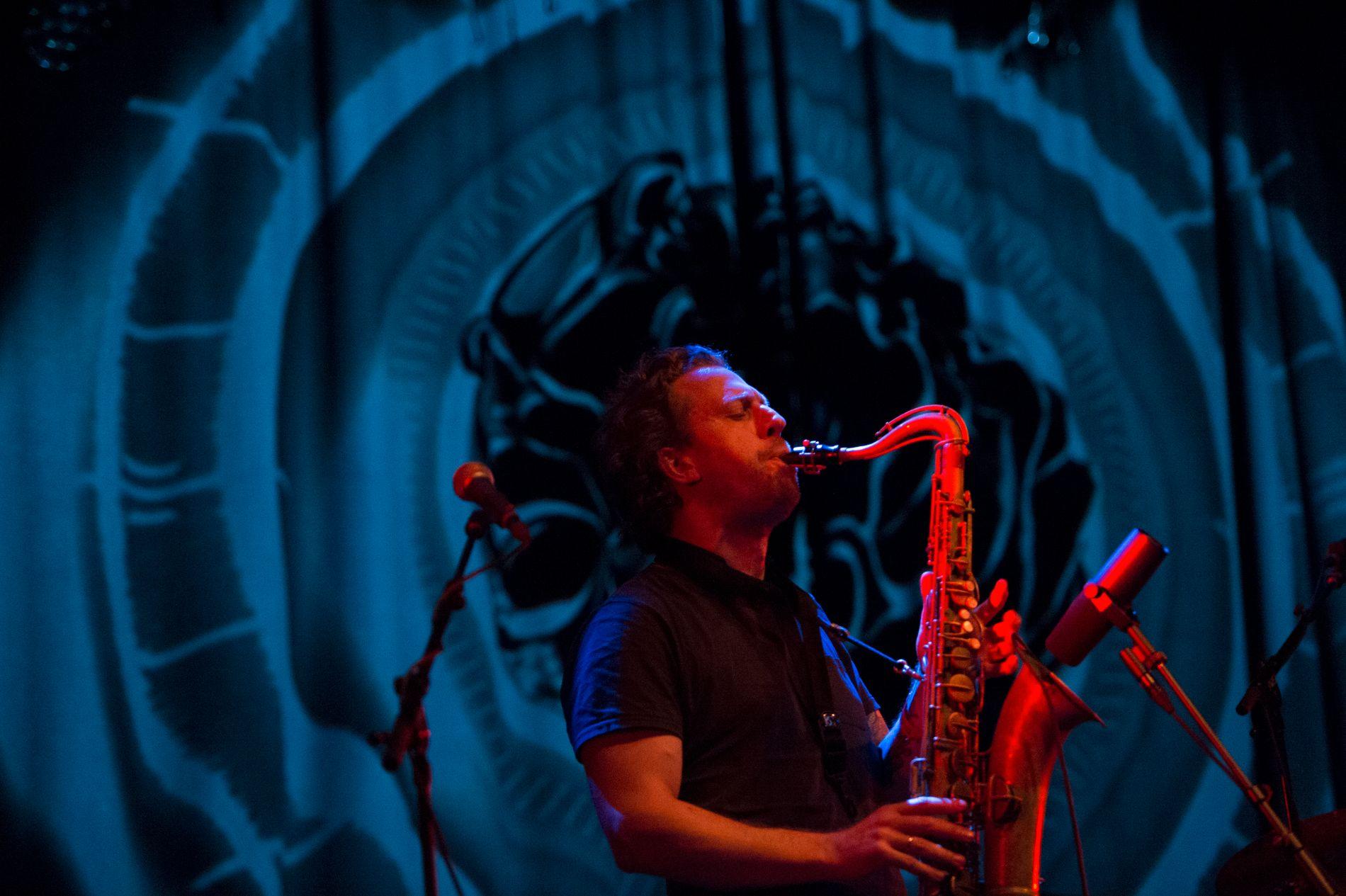 BLÅSER JULEN INN: Saksofonist Kjetil Møster er blant artistene på BKKs julekonserter i Johanneskirken i helgen.