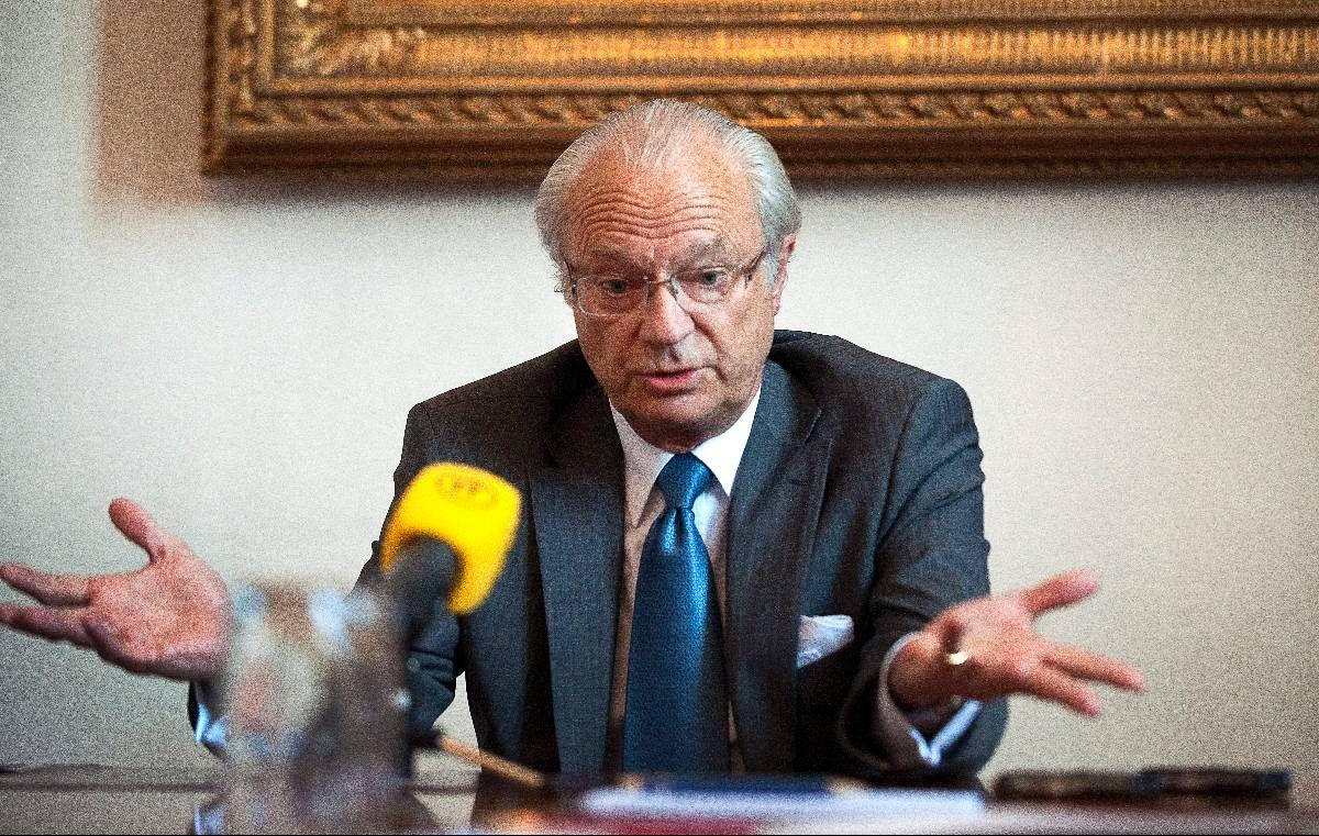 PRESSET: Beskyldningene om strippeklubber og serbisk mafia har haglet mot kong Carl Gustaf den siste måneden. Forrige uke stilte han opp til intervju og benektet alt. Men svenskene er fremdeles ikke overbeviste.
