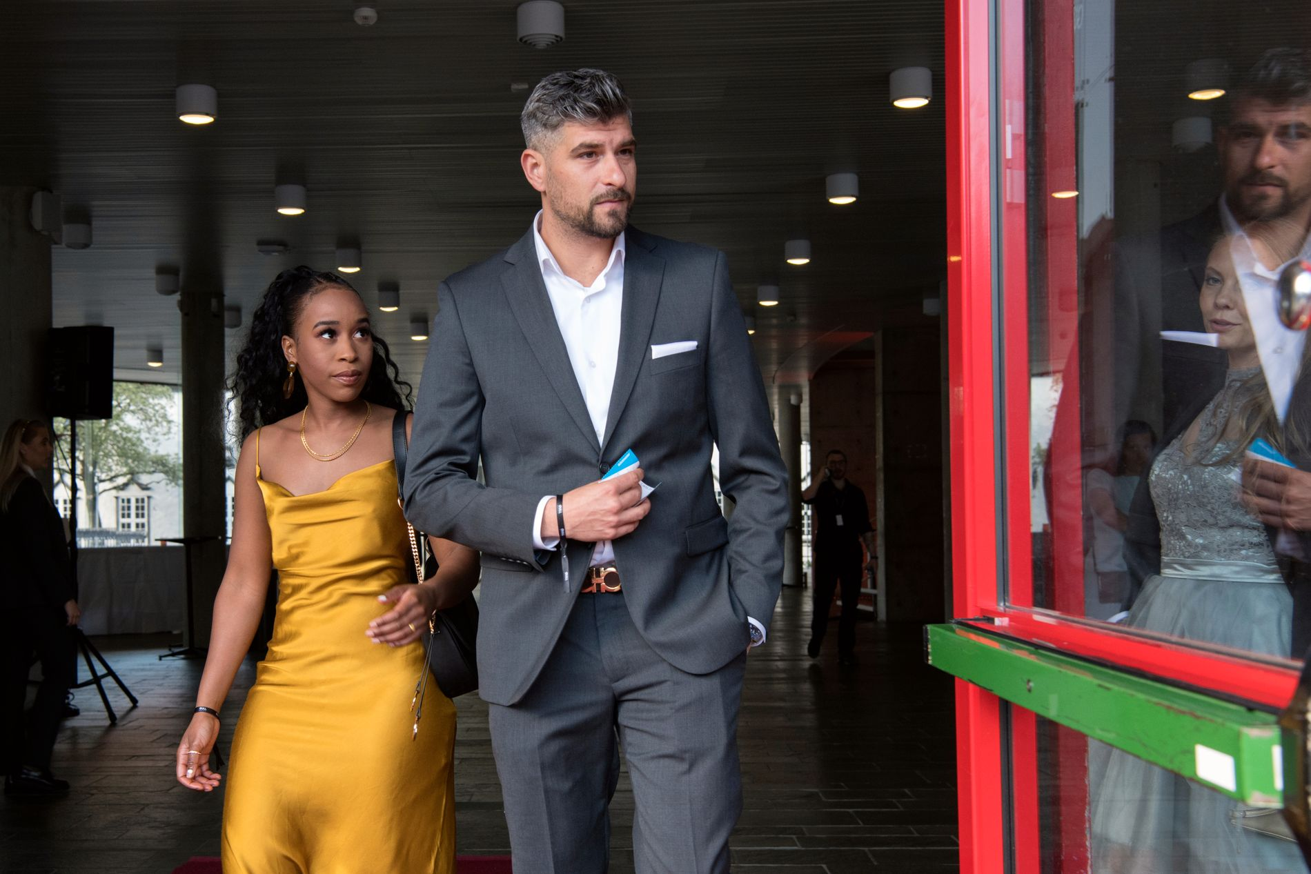 GULLRUTEN: Leo Ajkic var til stede under prisutdelingen lørdags kveld sammen med kjæresten Chiku Msombeli.