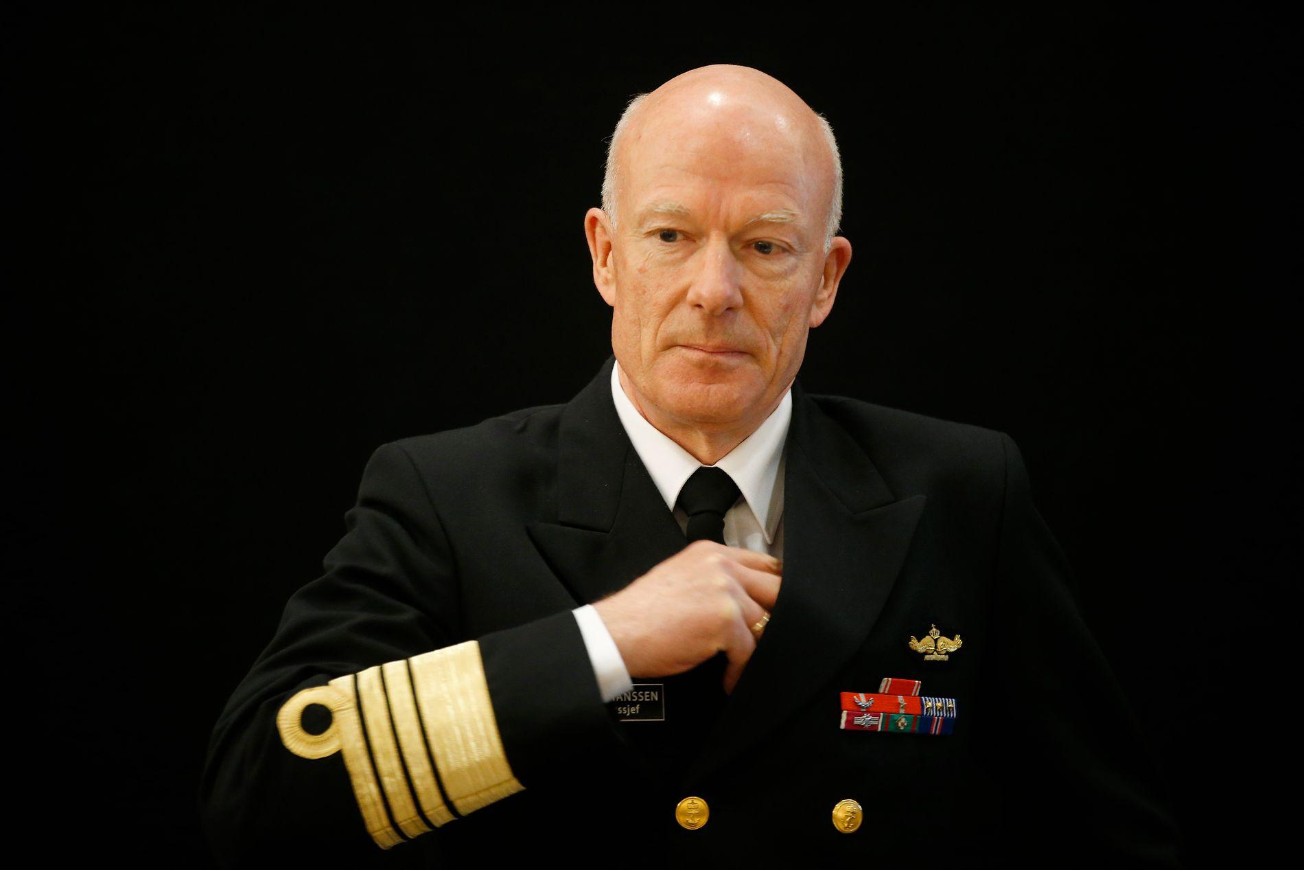 SLÅR ALARM: Forsvarssjef Haakon Bruun-Hansen slakter Forsvarets evene til å utføre oppgavene sine i en hemmelig rapport.