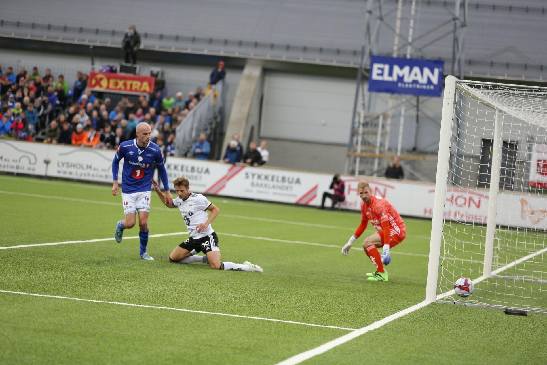 Her ser Magnus Blakstad at han har scoret mot sin tidligere klubb Rosenborg.