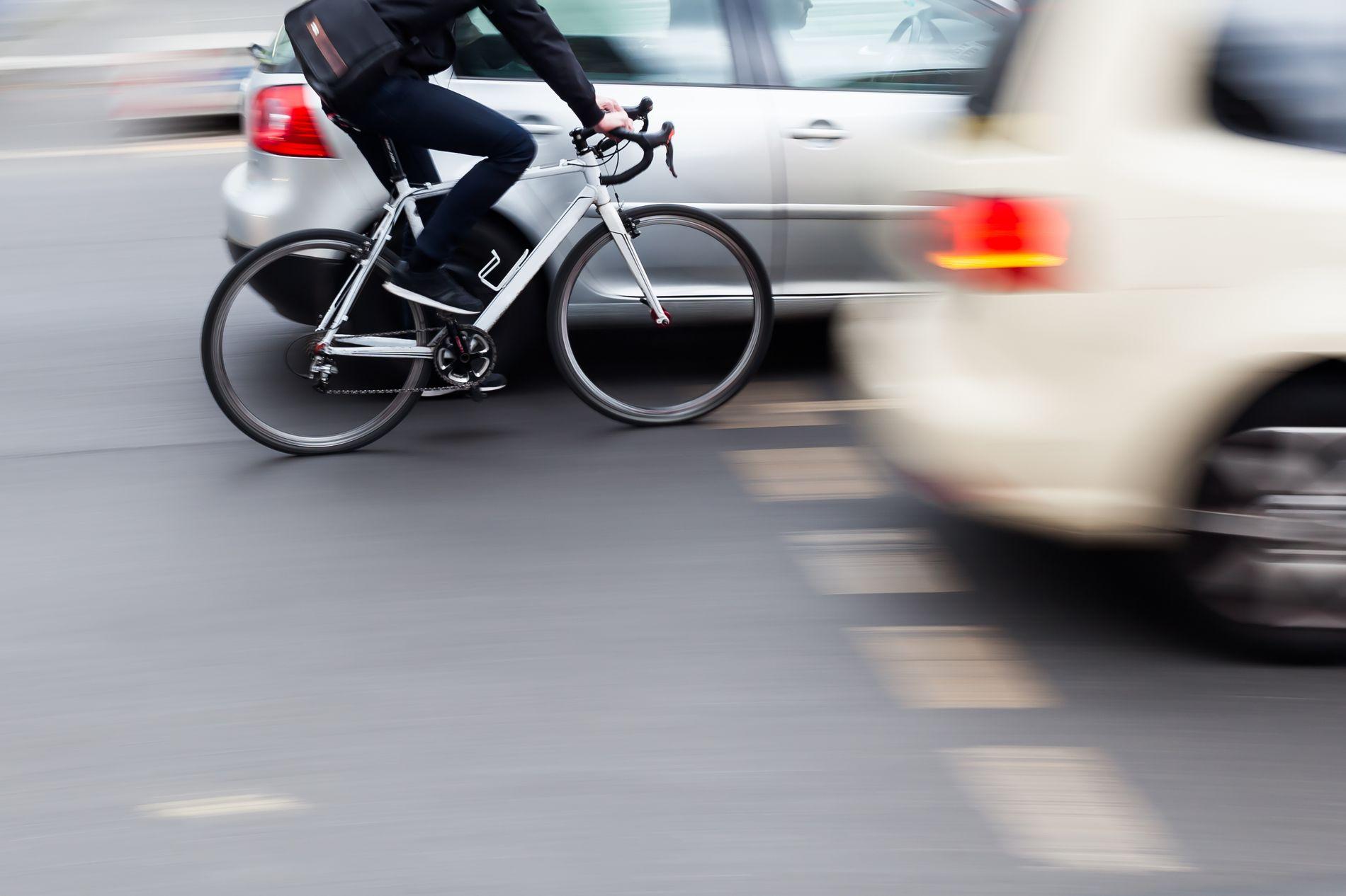 BØLLER I TRAFIKKEN: Jeg er ivrig syklist, men skammer meg over mange av mine sykkelkollegaer, skriver Frode Øglænd.