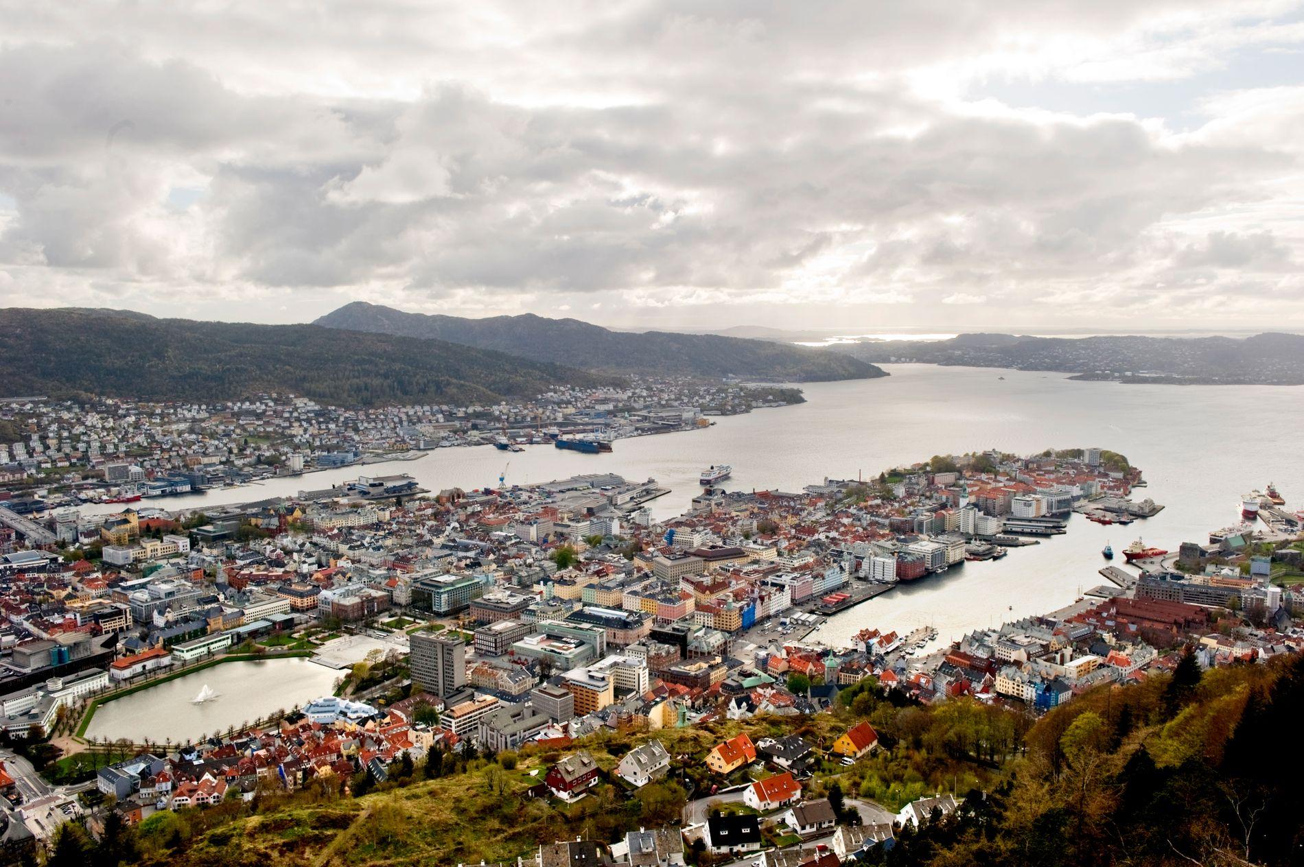 MAKTSENTRUM: «Stor-Bergen» får ei enno sterkare posisjon etter kommunesamanslåingane. Det er ei utfordring for små kommunar i utkanten av fylket, meiner innsendaren.