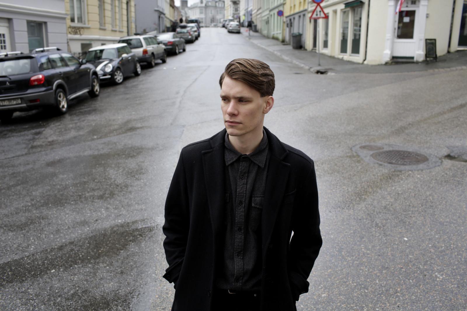 PÅ BYLARM: Tellef Raabe er sunnmøring, men artistkarrieren har fått fart etter at han kom til Bergen. Lørdag kveld spilte han på Bylarm i Oslo.