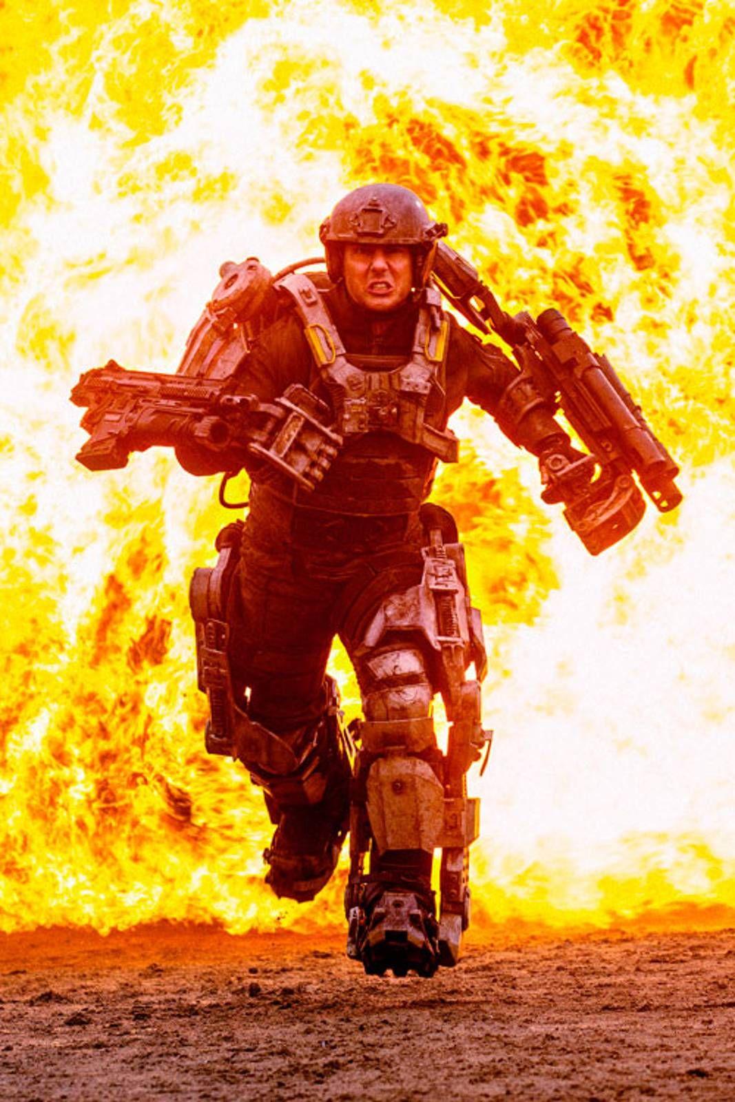 3f6e9b1c Heftig action: Tom Cruise velter seg i pyroteknikk og action i det som kan  bli sommerens store kassasuksess. FOTO: FILMWEB byoutline FILMWEB