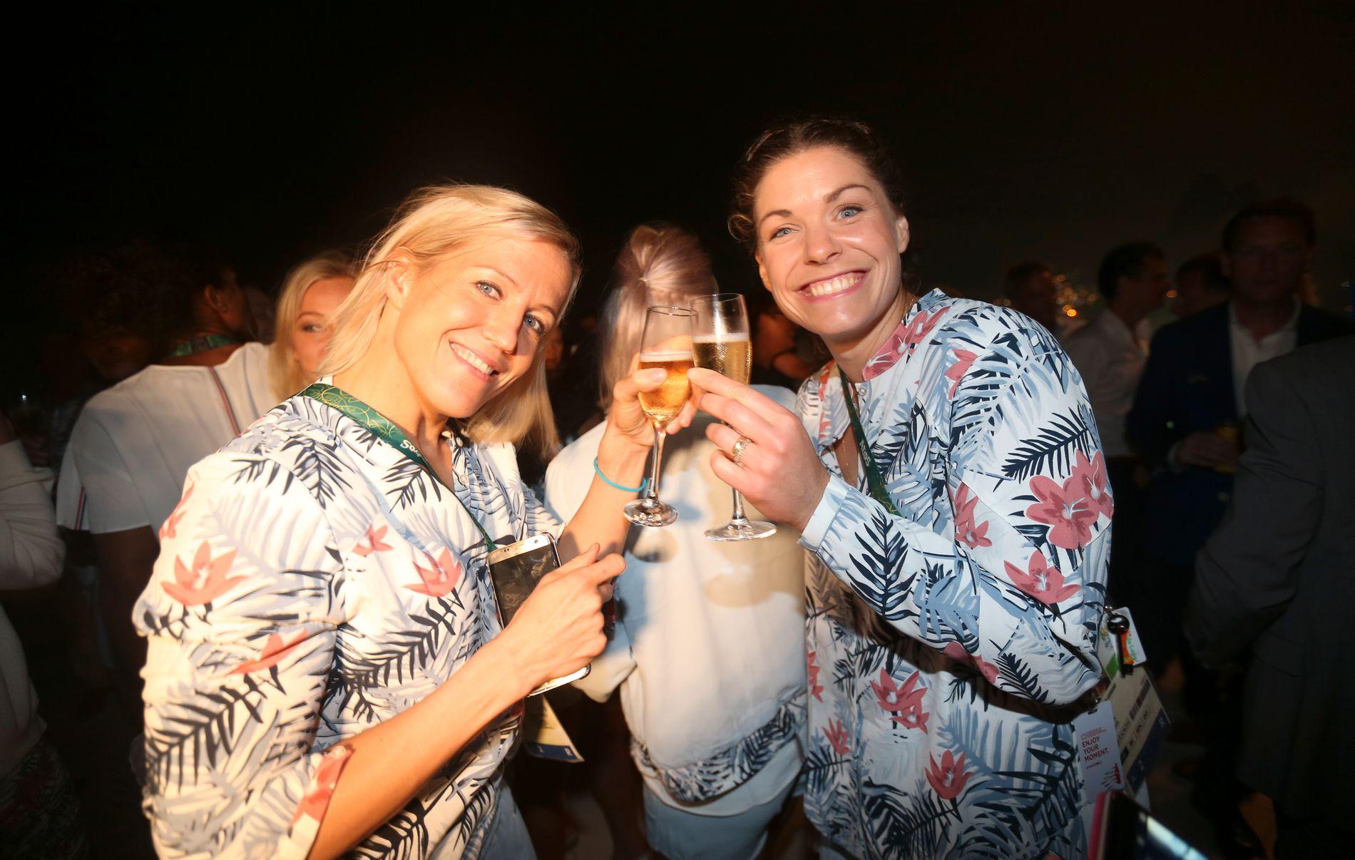 Heidi Løke (t.v) og Kari Aalvik Grimsbø feiret Norges OL-bronse.