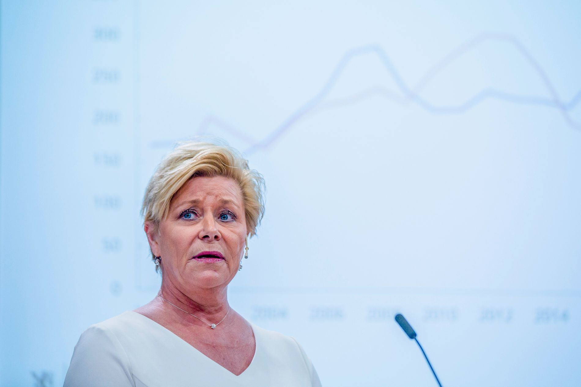 MER PENGER: Pengebruken er ikke et resultat av den økonomiske, men den politiske situasjonen, mener Bergens Tidende.