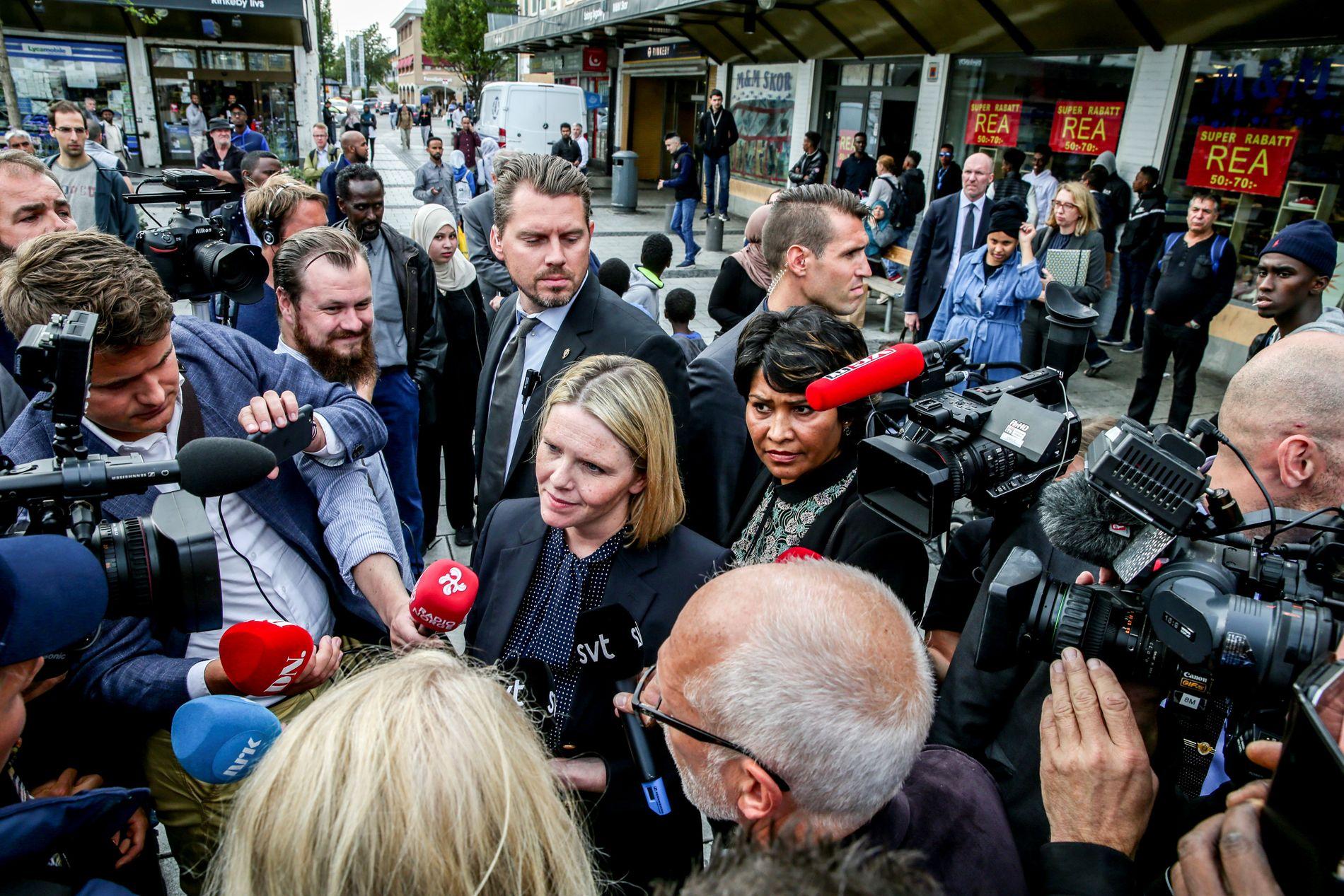 NY JUSTISMINISTER: Sylvi Listhaug (Frp) er blitt justis- og innvandringsminister. – Enkelte har et håp om at Listhaug får mindre tid til krasse innvandringsutspill når porteføljen er toppet med både justis og beredskap, skriver kommentator Eirin Eikefjord.