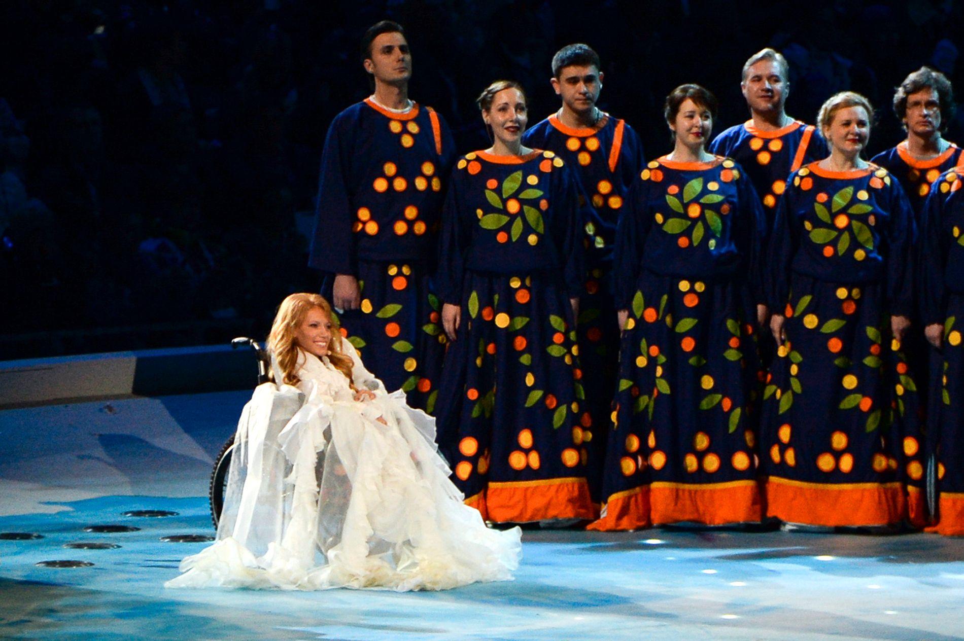 STRID: Den europeiske kringkastingsunionen (EBU) vil la Julija Samojlova (27) opptre på den internasjonale Grand Prix-finalen via satellitt - men Russland nekter. Foto: AP Photo/Ekaterina Lyzlova, File