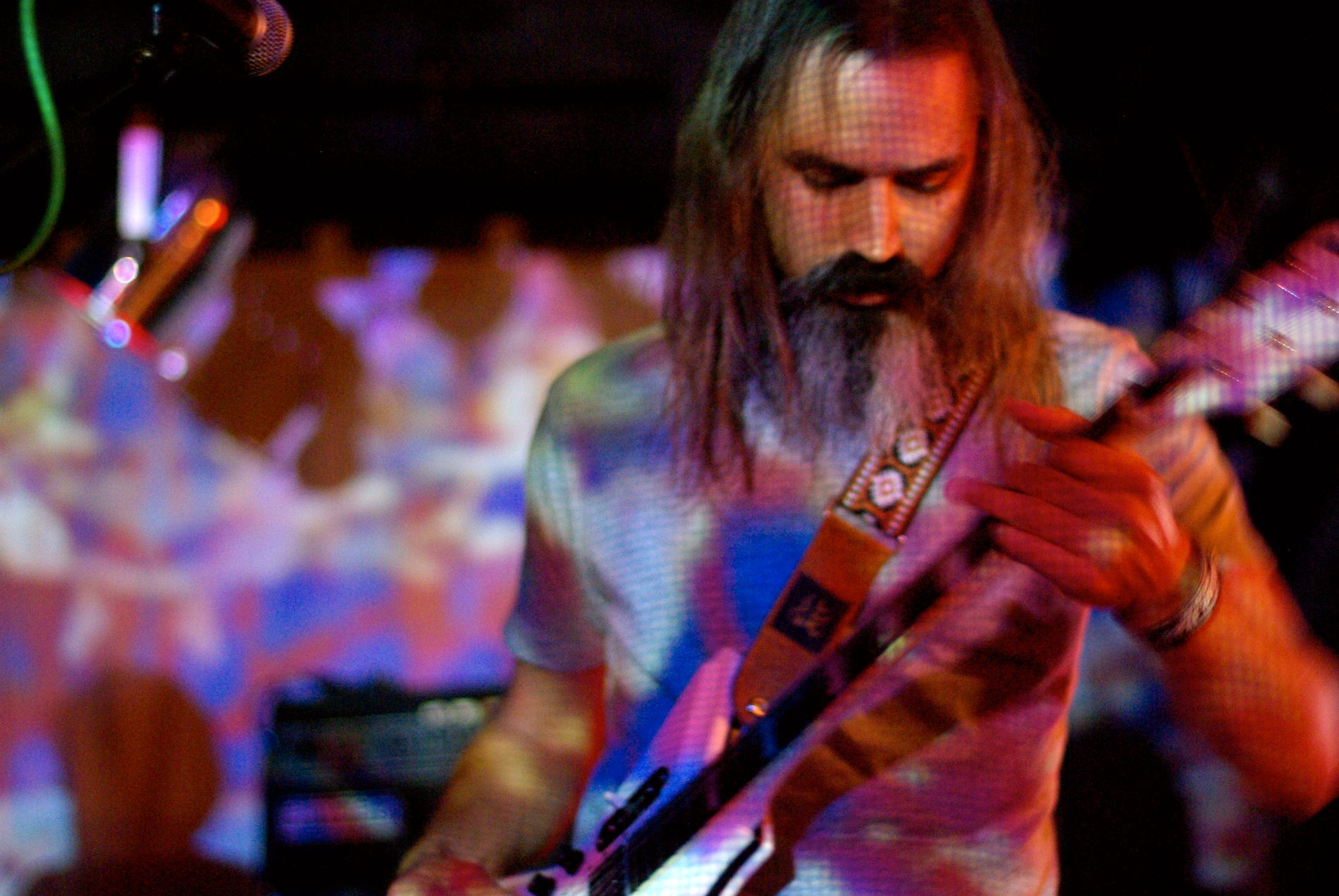 UTSVEVENDE: Gitarist/vokalist Ripley Johnson og resten av Wooden Shjips er kjent for sine stemningsfulle konserter.