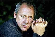 I SALG FRA LØRDAG: Mark Knopfler kommer til Bergen i mai.