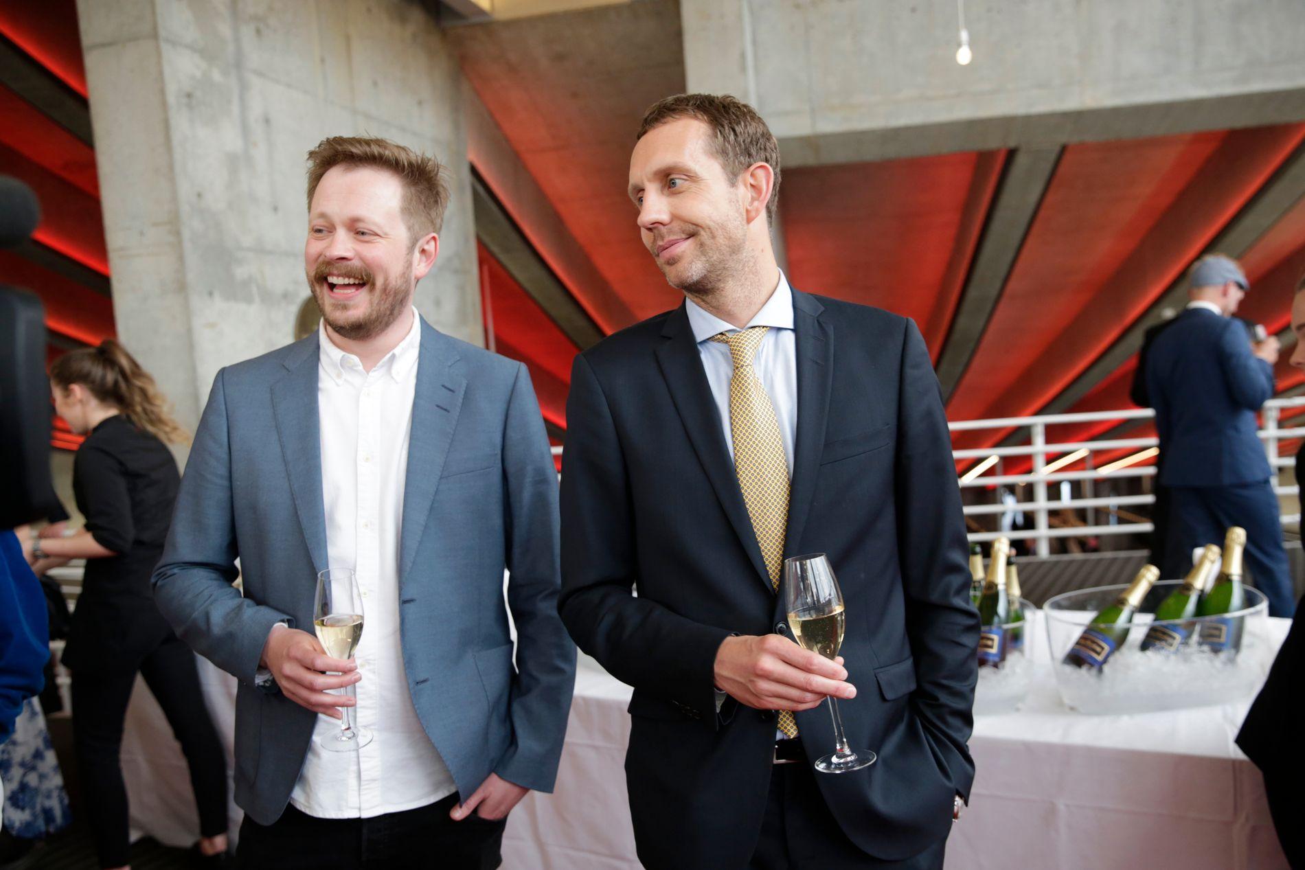 NOMINERT: - Hva skal egentlig til for å vinne en Gullrute? Vi var ikke nominert i fjor, men vi er det i år. For det samme programmet, sier komiker Morten Ramm. Her sammmen med kollega Einar Tørnquist.