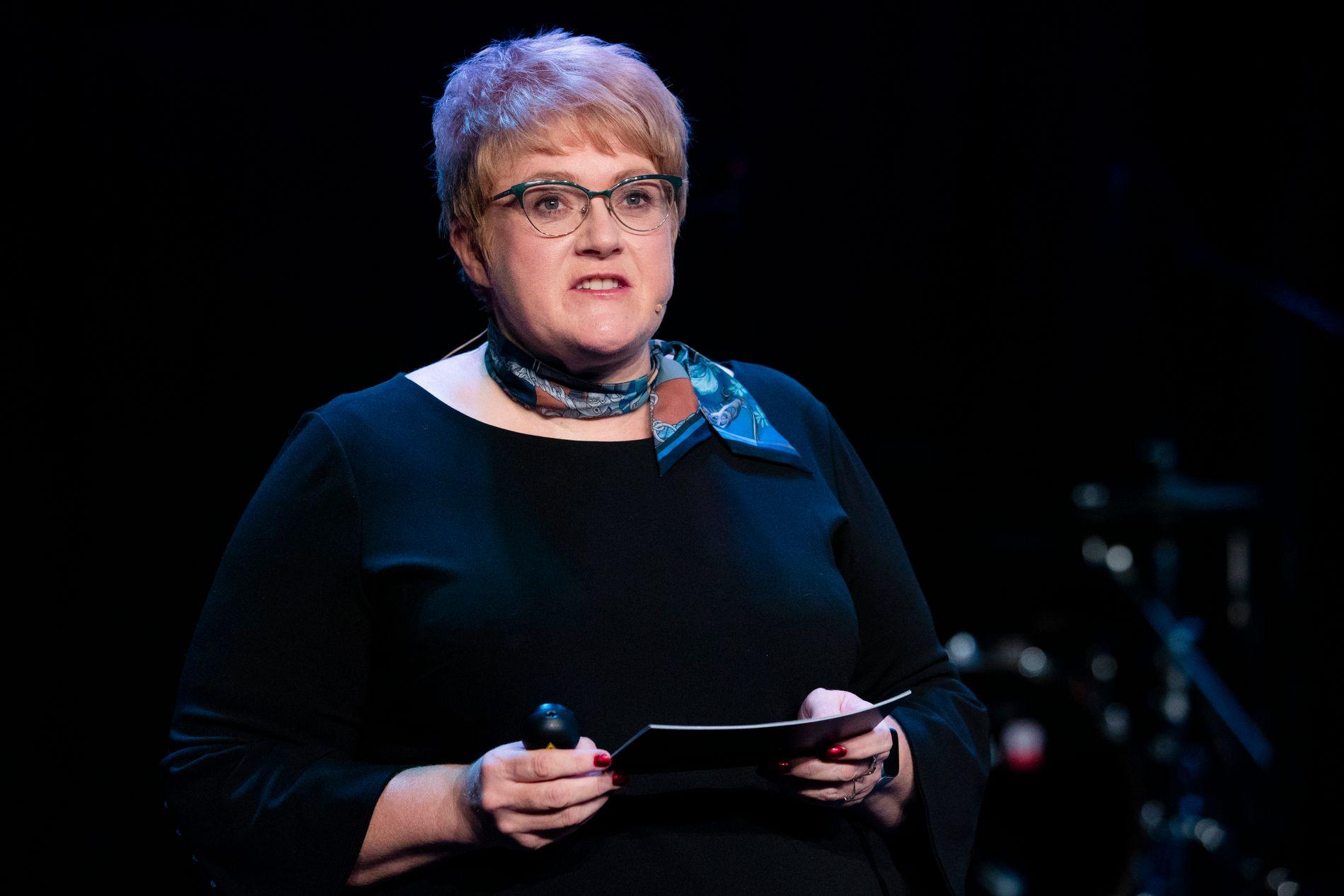 KULTURMINISTEREN: Kulturministeren leker med tall når hun prøver å forsvare forfordelingen til museums-Norge utenfor Oslo, mener Petter Snare.