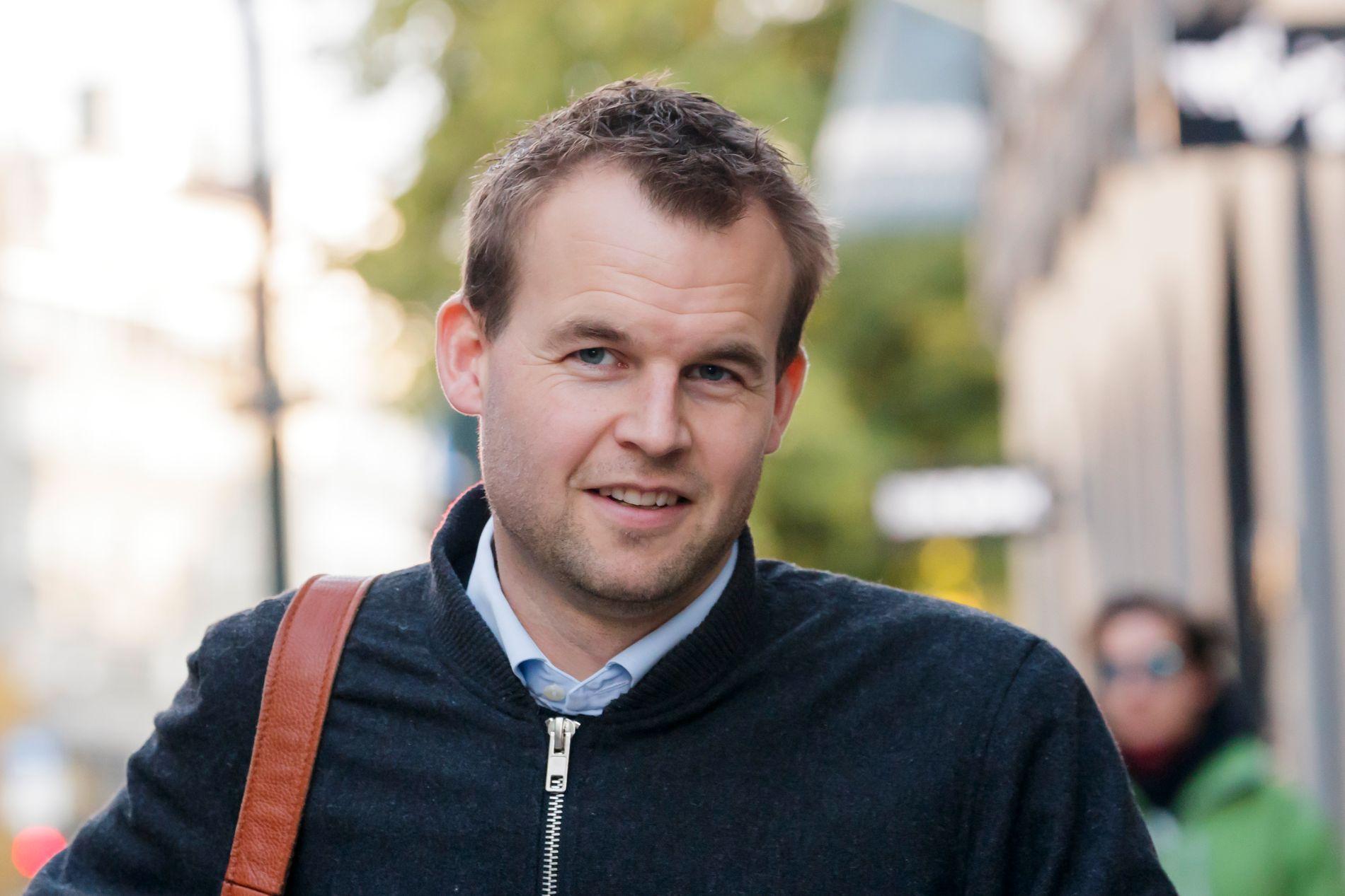 ADVARER: Velger vi å kaste Erna Solberg (H) til fordel for en Arbeiderparti dominert regjering, vil det være et historisk linjeskifte for KrF. Et linjeskifte jeg vil advare mot, skriver Kjell Ingolf Ropstad (KrF).