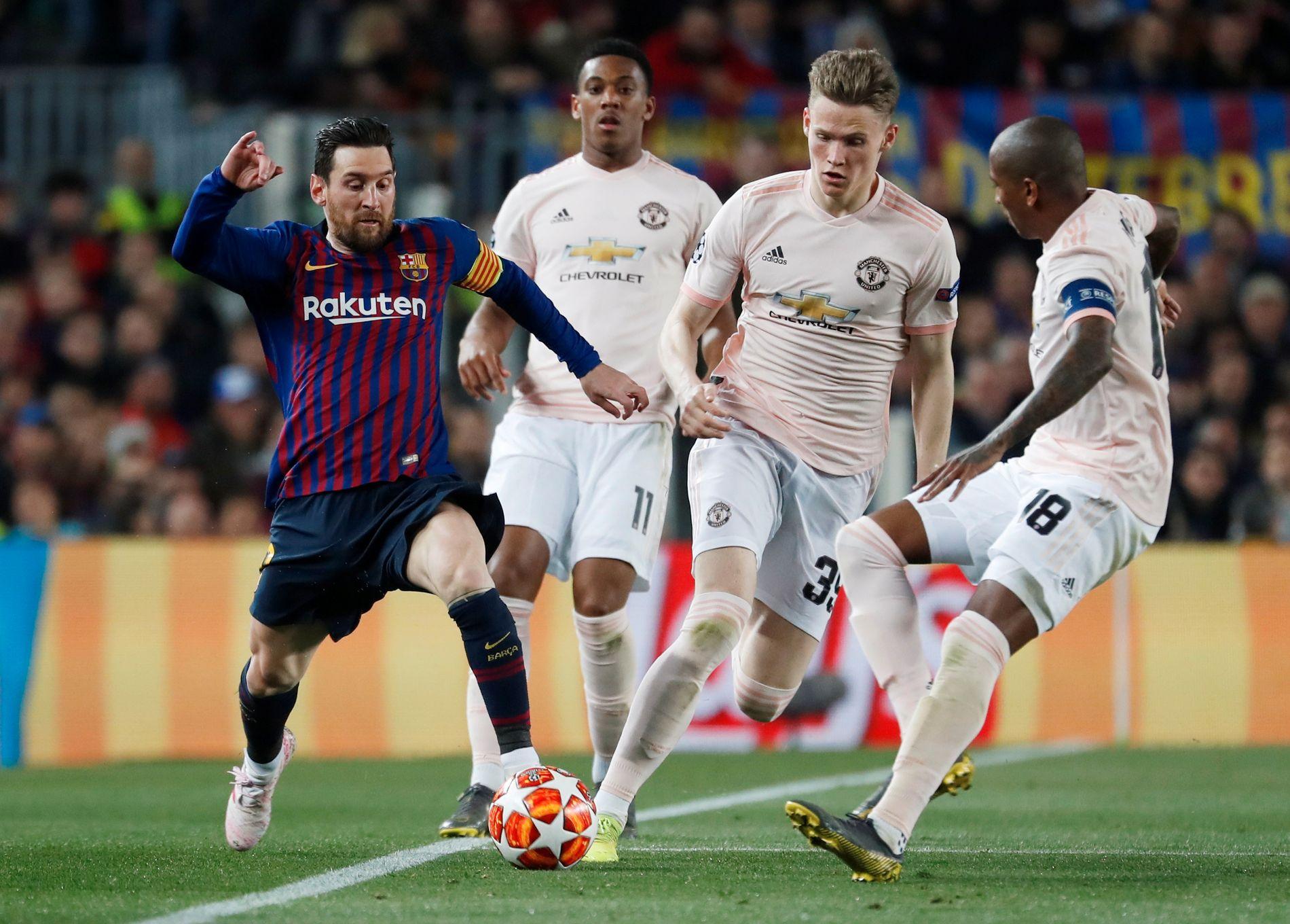 Lionel Messi ble for mye for Manchester United. Spesielt Ashley Young før dårlige børskarakterer etter kampen.
