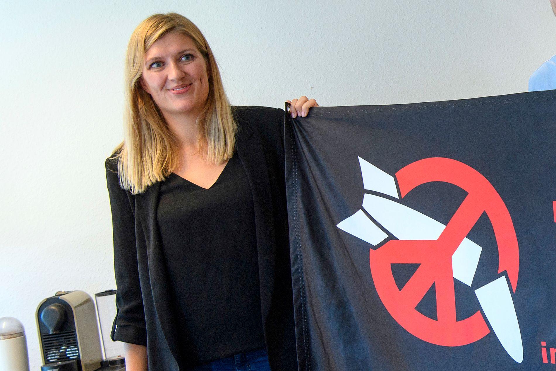 VINNER: ICAN–Den internasjonale kampanjen for forbud mot atomvåpen, her ved direktør Beatrice Fihn, er årets vinner av Nobels fredspris 2017.