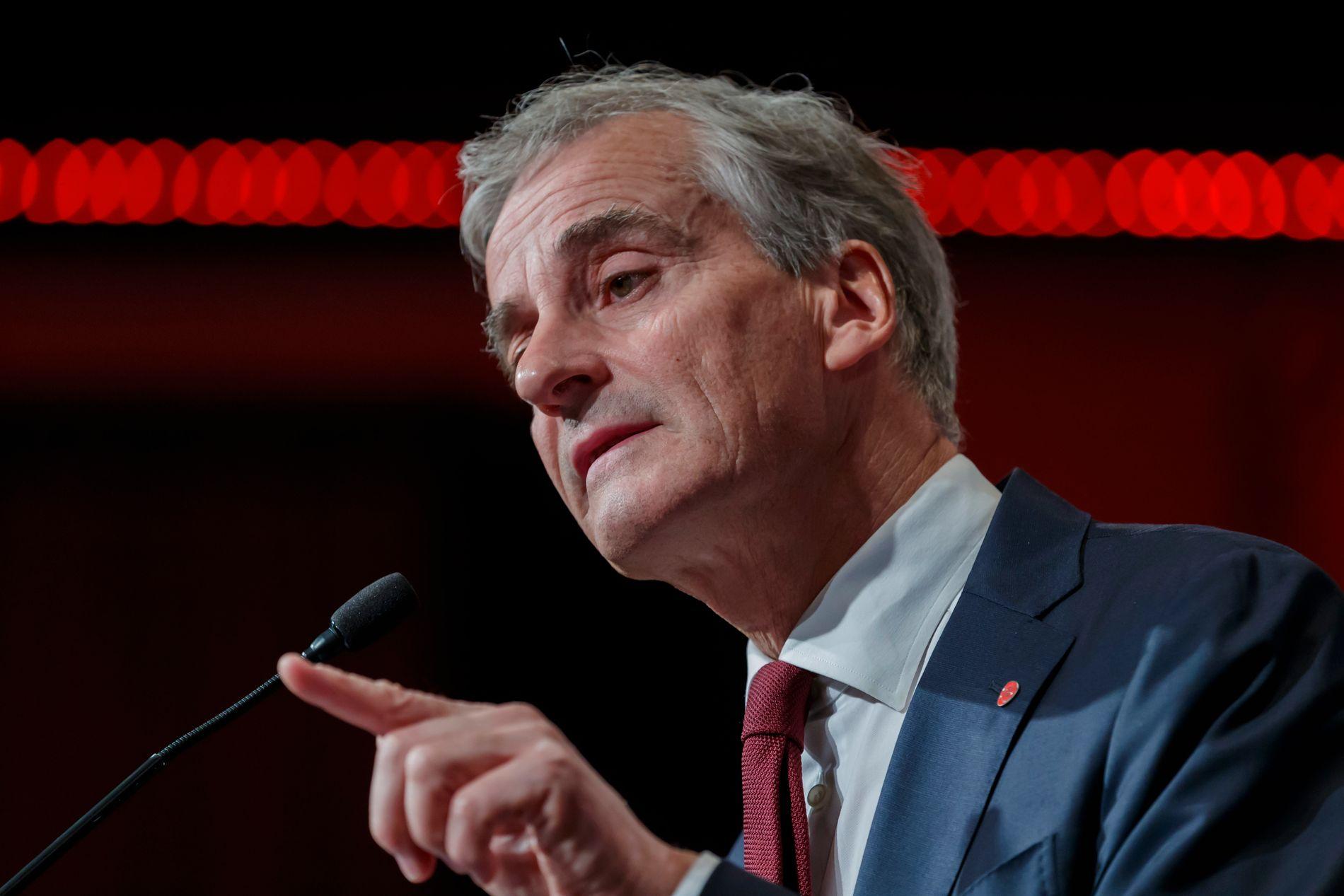 RETT PROFIL: Forslaget om å gje alle rett til «pensjon frå første krone» kan vere profileringssaka Ap treng. Men uproblematisk er ho ikkje, skriv BT-kommentator Hans K. Mjelva.