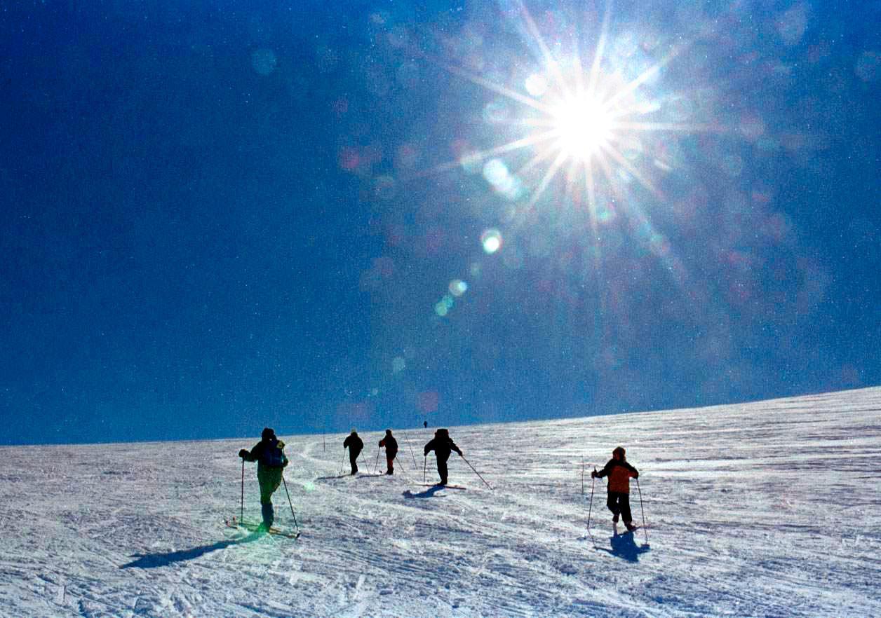 - KOM DEG PÅ FJELLET: I helga blir det fint vêr og gode skiforhold i påskefjellet, følgje meteorologen.