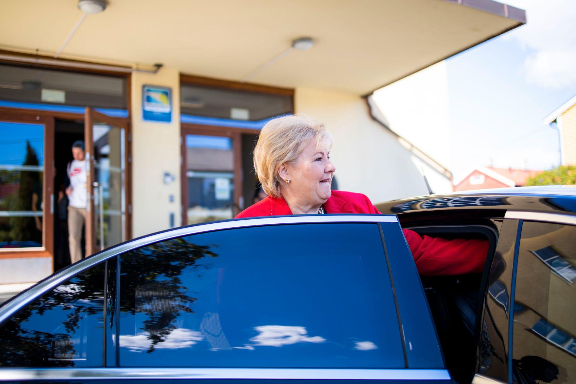 FEIL VEG: Noregs klimautslepp gjekk opp i fjor. Dermed er Erna Solberg (H) og hennar regjering er endå lengre unna å nå sine eigne klimamål, skriv BT på leiarplass.