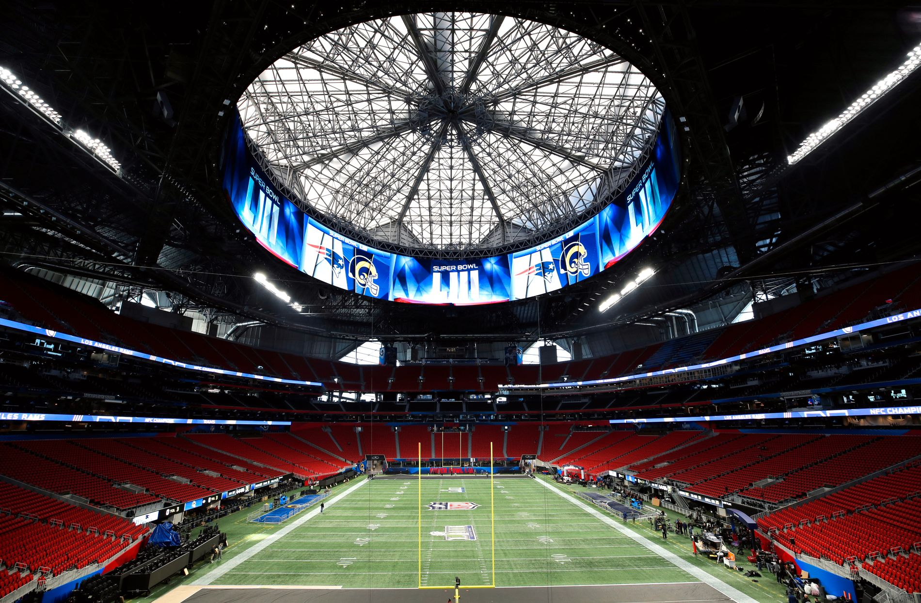 Årets Super Bowl spilles på Mercedes-Benz Stadium i Atlanta, med plass til over 70.000 tilskuere.