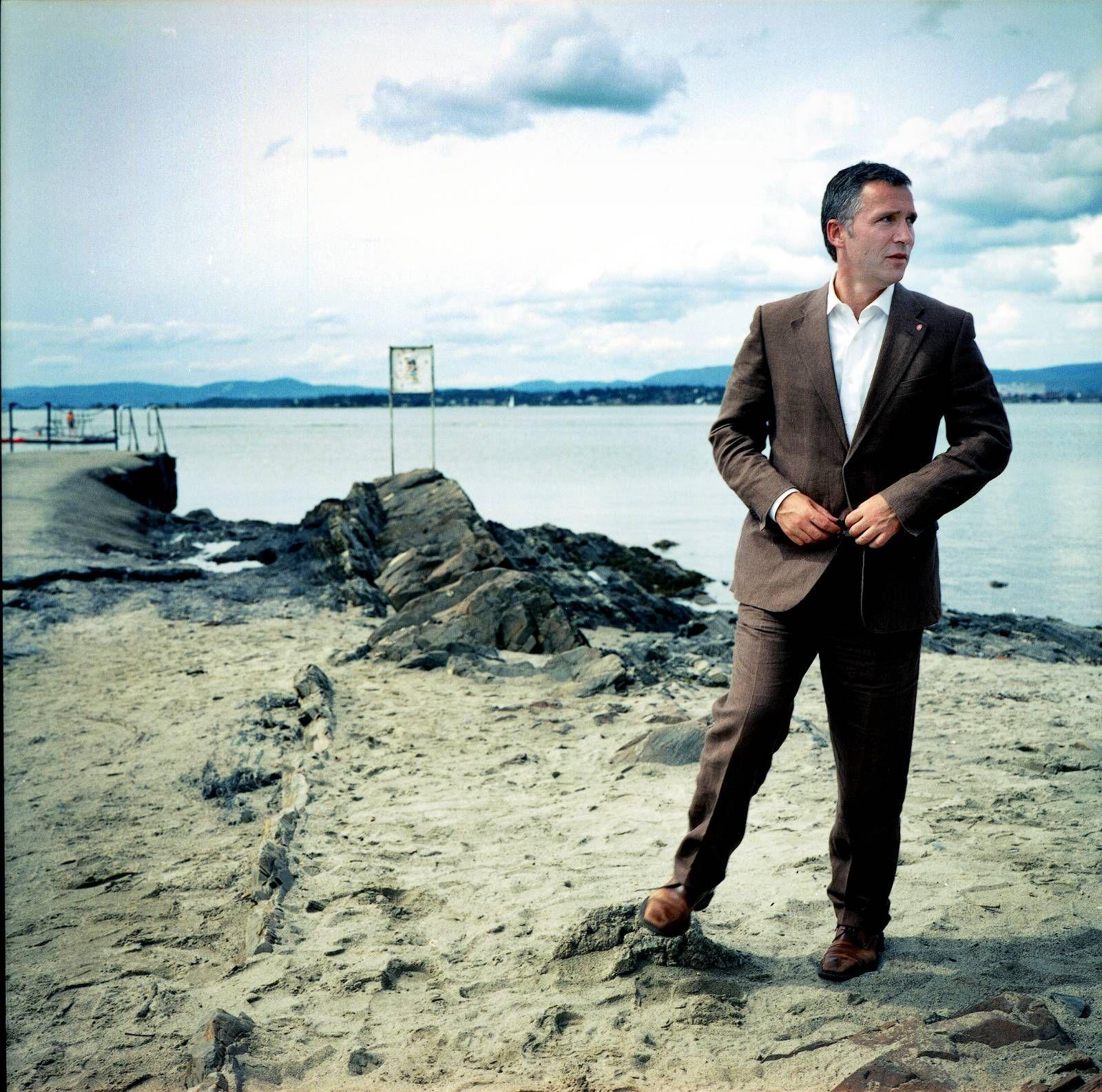 OLJEFOND: Sentralbanksjefen foreslo i 2012 å stramme inn handlingsregelen til å maksimalt bruke tre prosent av oljefondets avkastning. Dette avviste Stoltenberg. Hvorfor grep ikke de rødgrønne muligheten? spør Lars Gauden-Kolbeinstveit i Civita.FOTO: HÅVARD BJELLAND