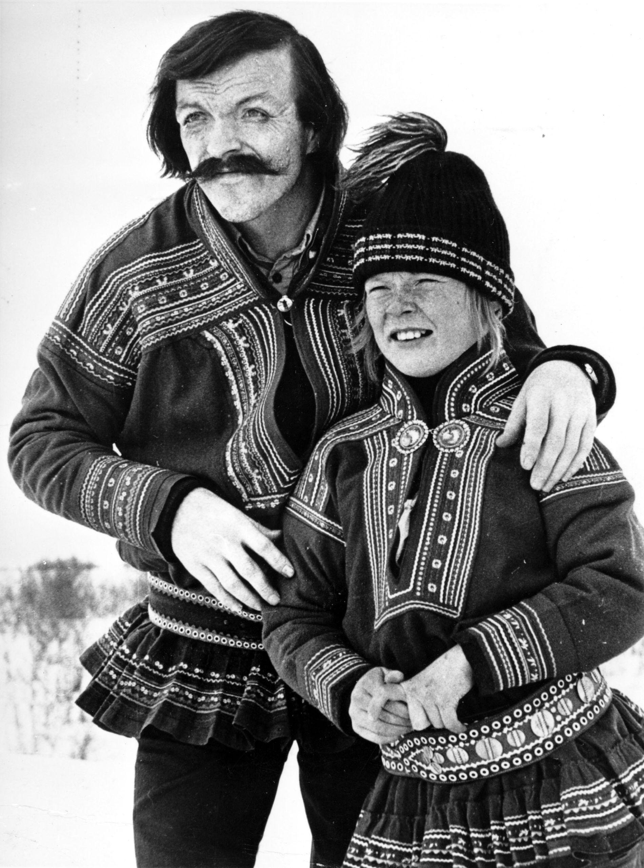 TV-serien «Ante» (NRK). Den samiske gutten Ante ble spilt av Sverre Porsanger, og Nils Utsi spilte hans far. Foto: NTB scanpix