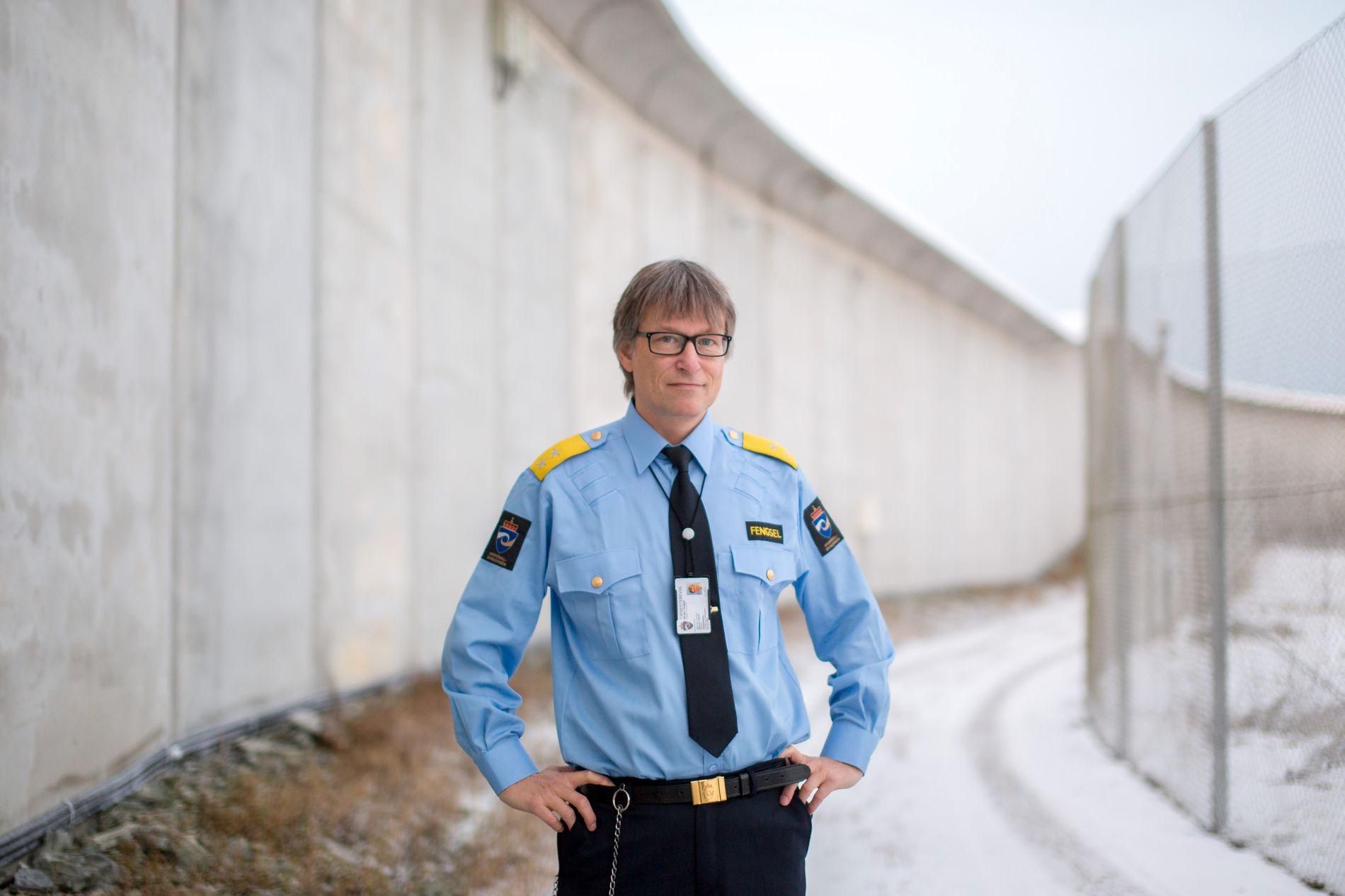 SLÅR ALARM: Fengselssjef i Bergen, Harald Åsaune, har i flere år sagt fra om høyt arbeidspress blant de ansatte og mangel på rehabilitering av de innsatte.
