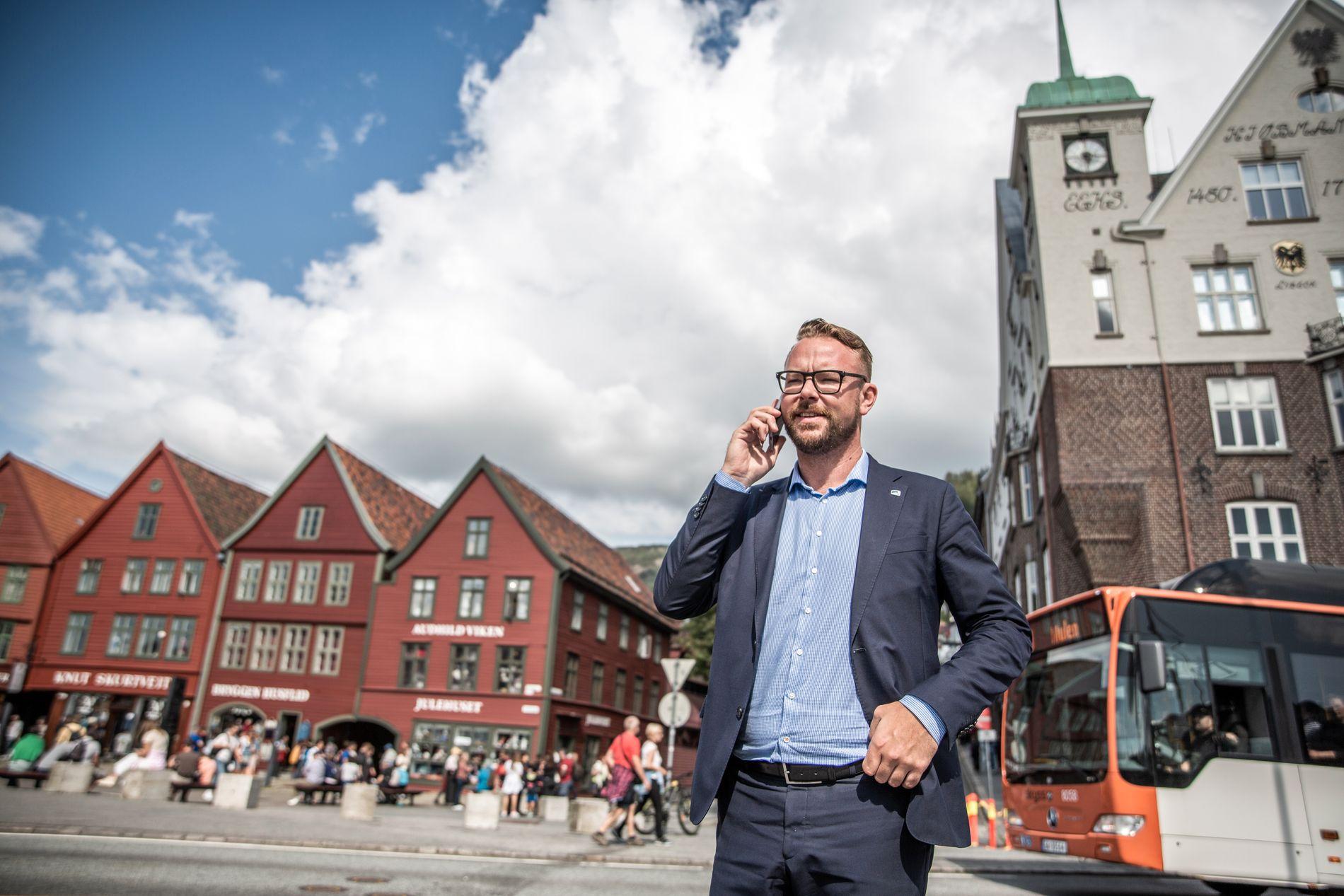 INGEN BYBANE HER: Høyres Harald Victor Hove vil jobbe for å få Bybanen i tunnel utenom Bryggen, hvis han får makt etter valget. Hver gang han sier det, skyver han Venstre lenger fra seg.