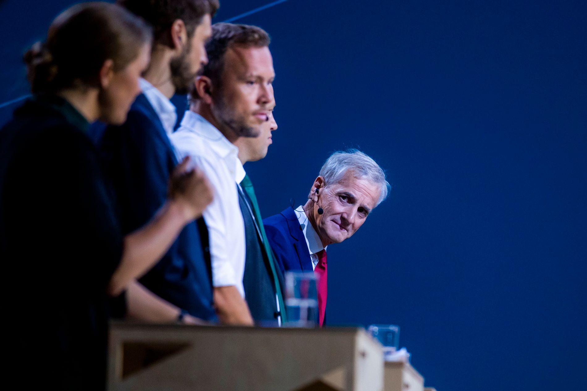 Arbeiderpartiets leder Jonas Gahr Støre i debatt med øvrige partiledere. Ap ligger an til å miste velgere ved mandagens kommunevalg. Foto: Håkon Mosvold Larsen / NTB scanpix