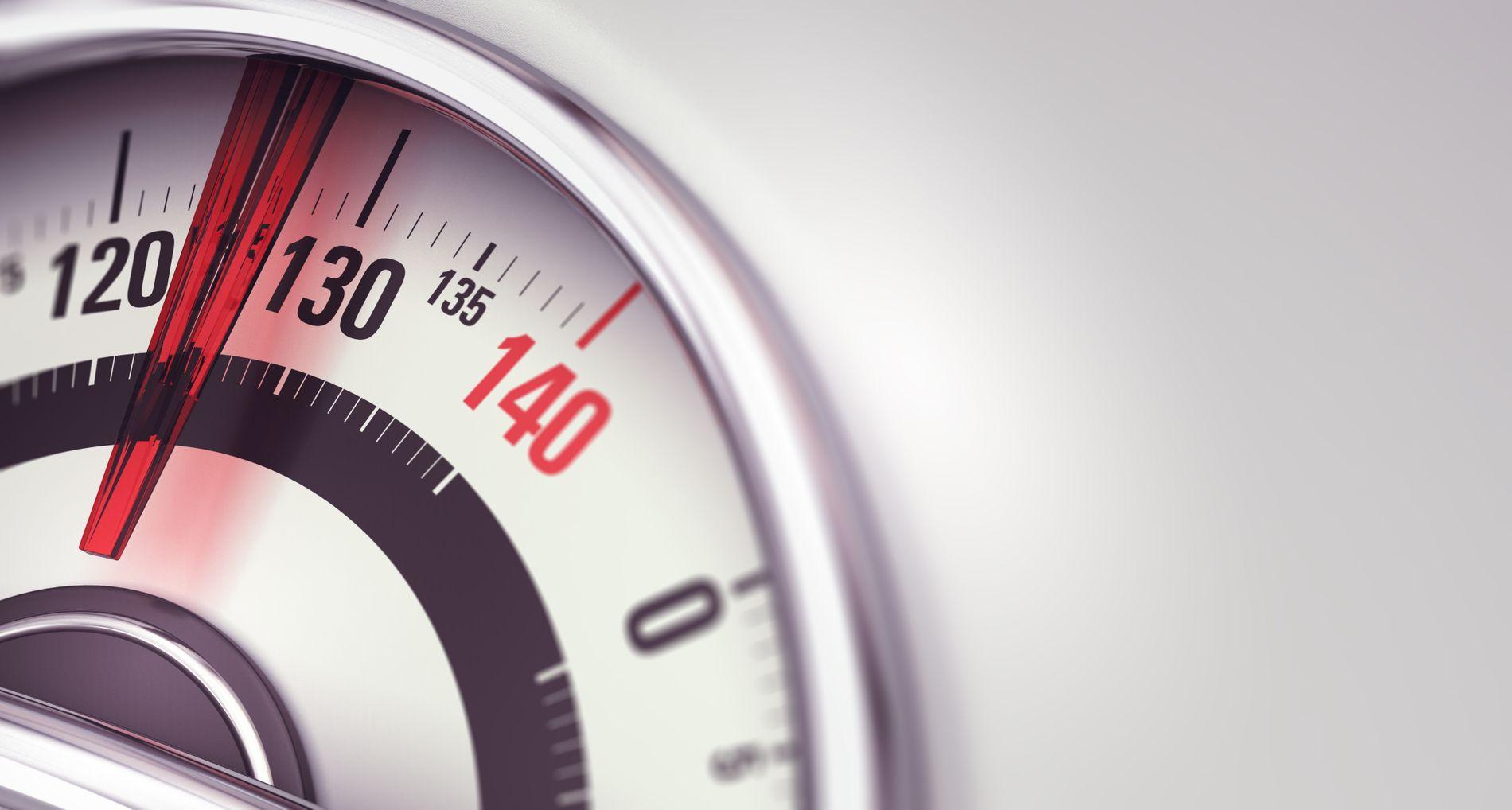 SYKDOM: Overspising krever behandling på lik linje med anoreksi og bulimi, skriver innsenderen. ILLUSTRASJON: SHUTTERSTOCK/NTB scanpix